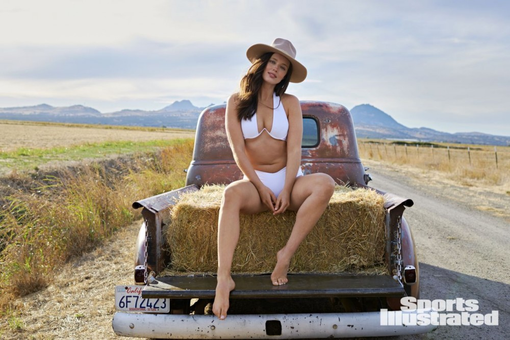 emily-didonato-sports-illustrated-swimsuit-issue-2021-more-photos-1.jpg
