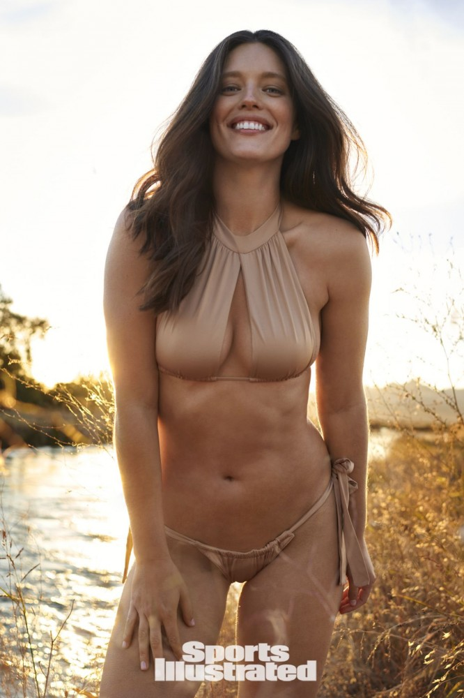 emily-didonato-sports-illustrated-swimsuit-issue-2021-more-photos-30.jpg