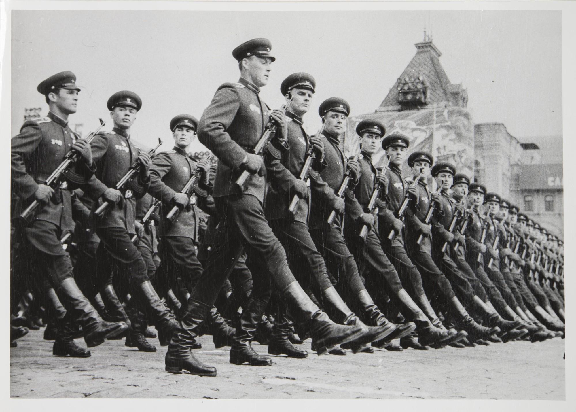 1965. Военный парад