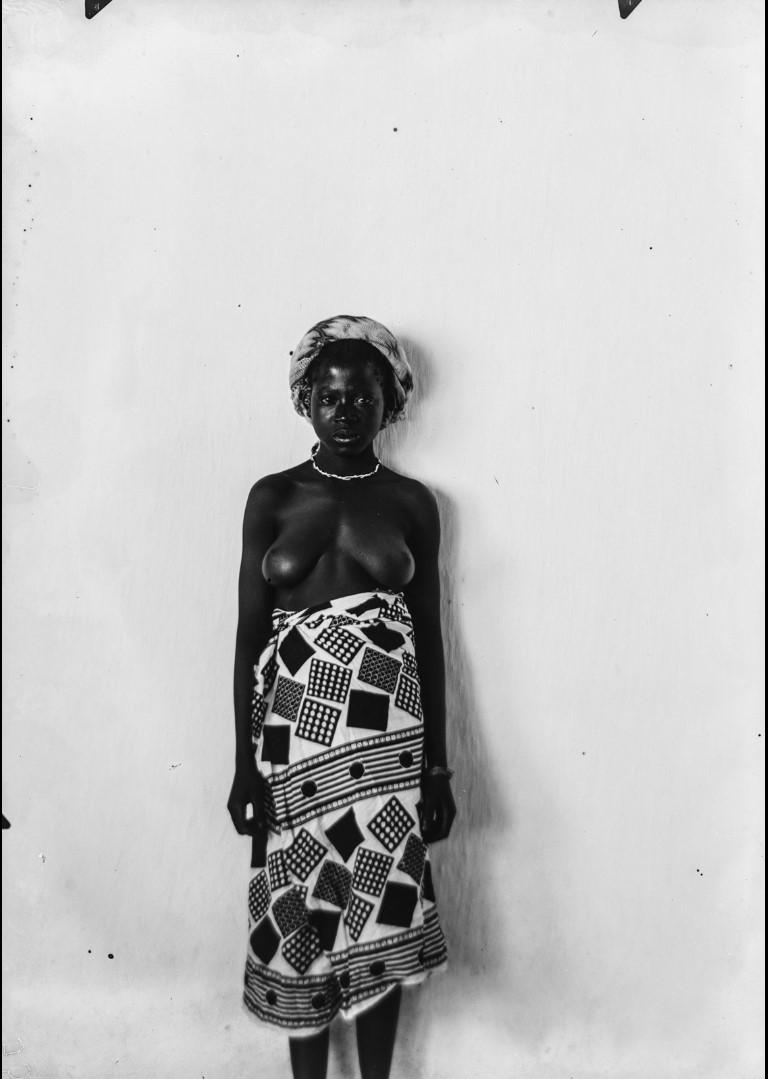 99. Антропометрическое изображение женщины Яо.jpg