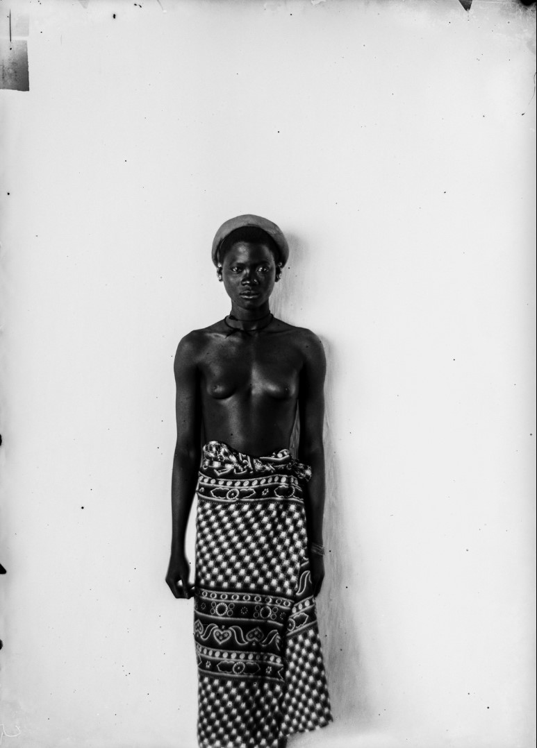 105. Антропометрический образ молодой женщины Тумбука.jpg