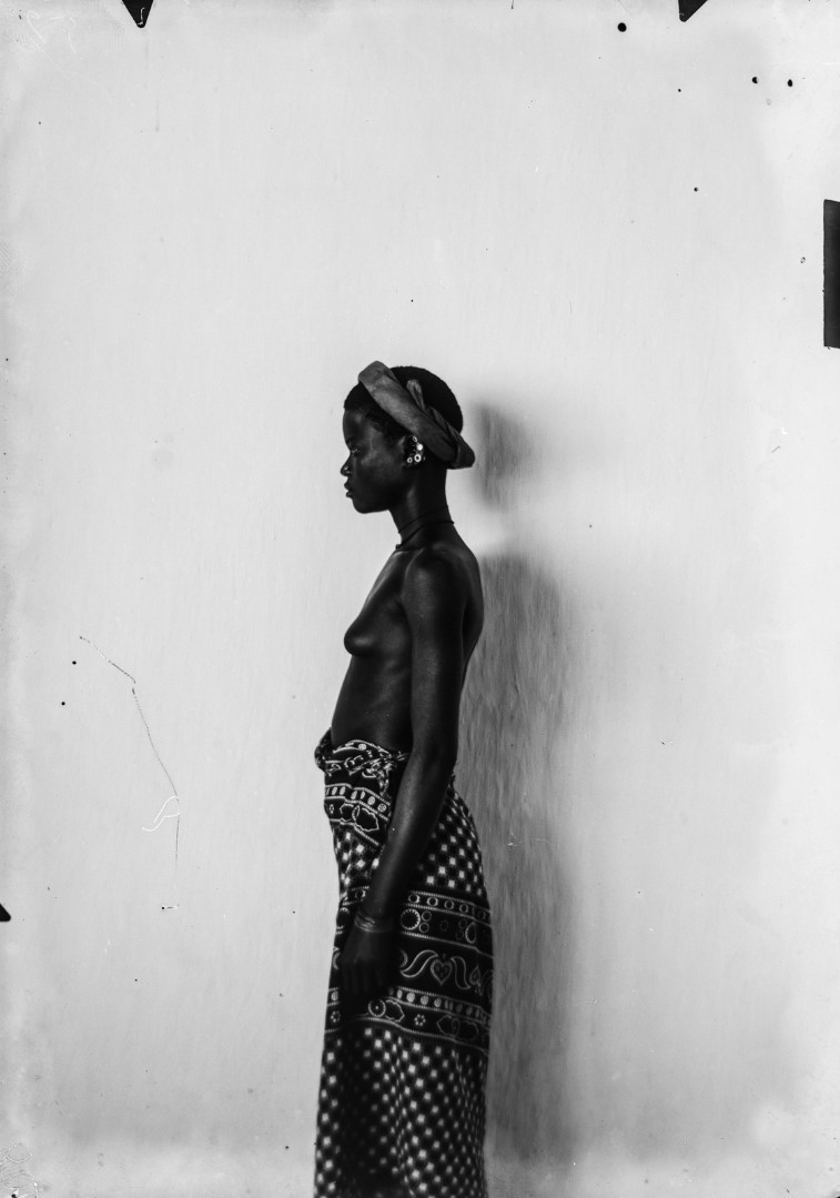106. Антропометрический образ молодой женщины Тумбука.jpg