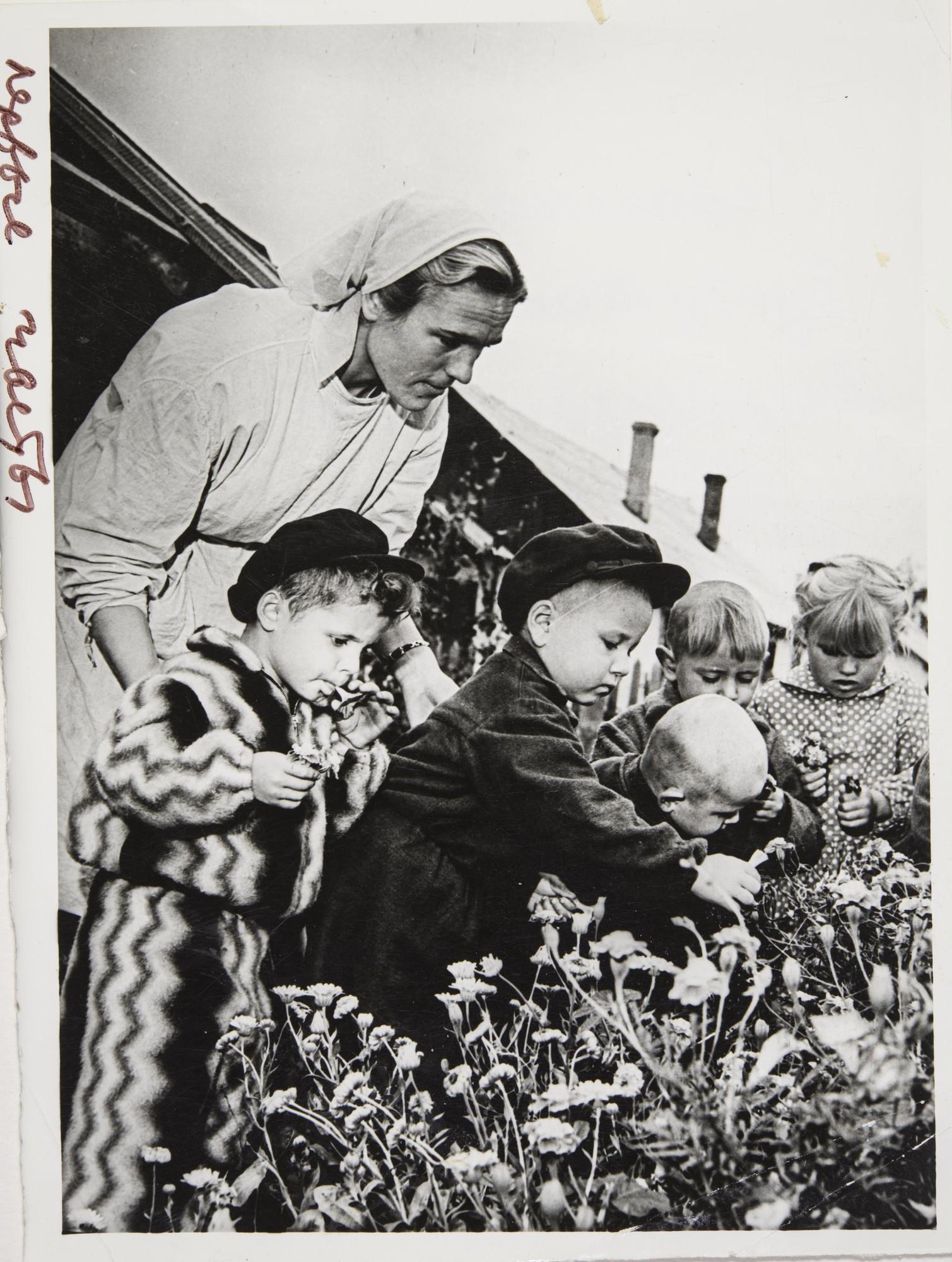 1951. Сельский детский сад.jpg