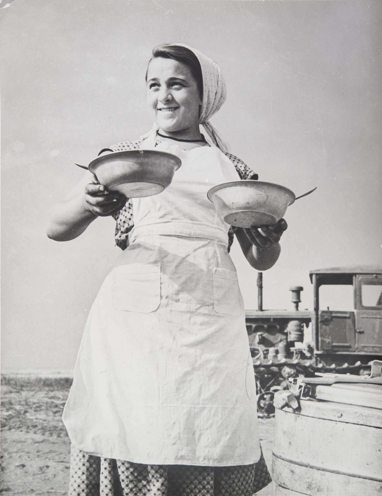 1959. Целина. Обед на полевом стане.jpg