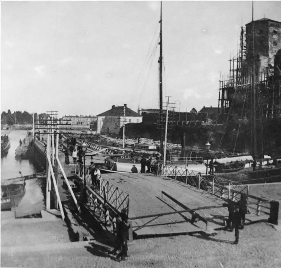 Разводка Абоского моста. 1892