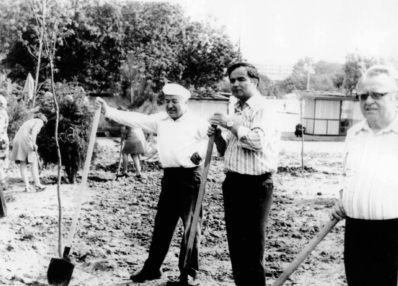 Ислам Каримов. На субботнике. Госплан Узбекской ССР. 1970-е