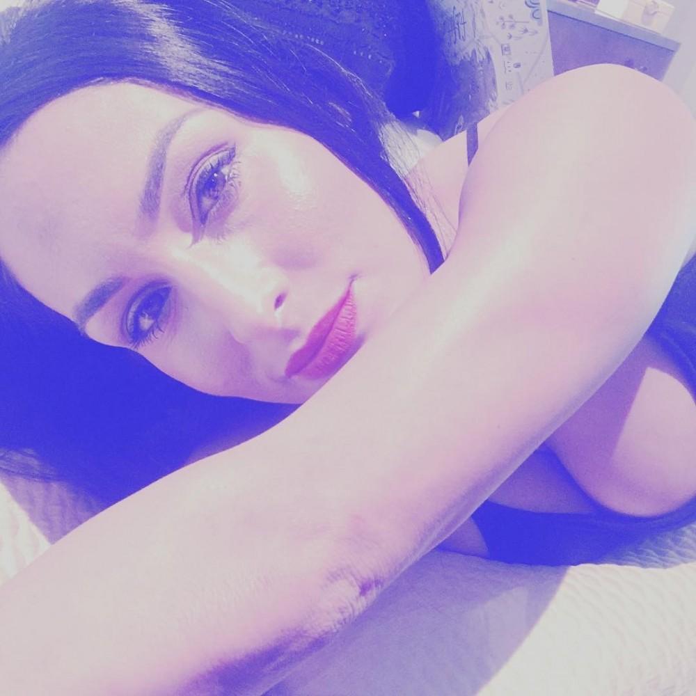 Nikki-Bella-Sexy-TheFappening-7-.jpg