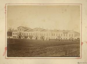 Князь-Федоровская сторона. Торговая площадь и Общественное собрание