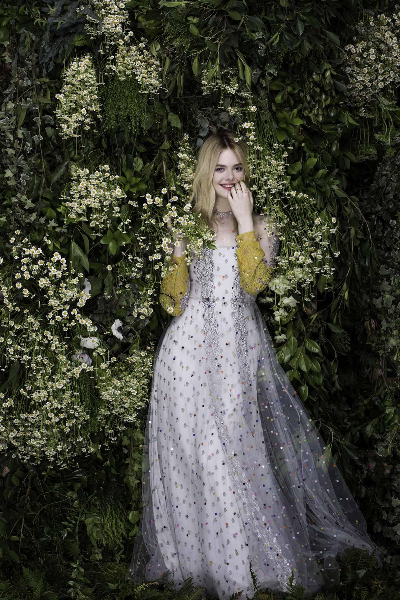 Elle-Fanning-Vanity-Fair-Italia-June-201800001.jpg