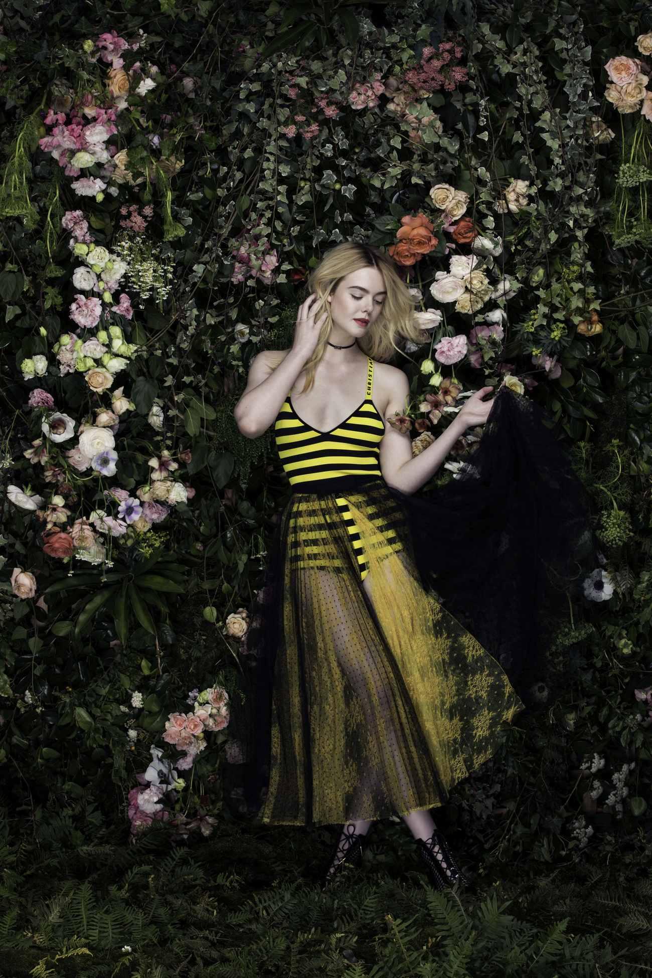 Elle-Fanning-Vanity-Fair-Italia-June-201800006.jpg