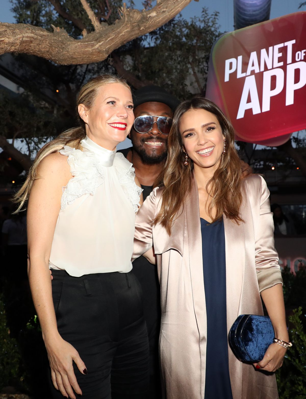 jessica-alba-at-planet-of-the-apps-season-1-premiere-in-los-angeles-06-12-2017_2.jpg