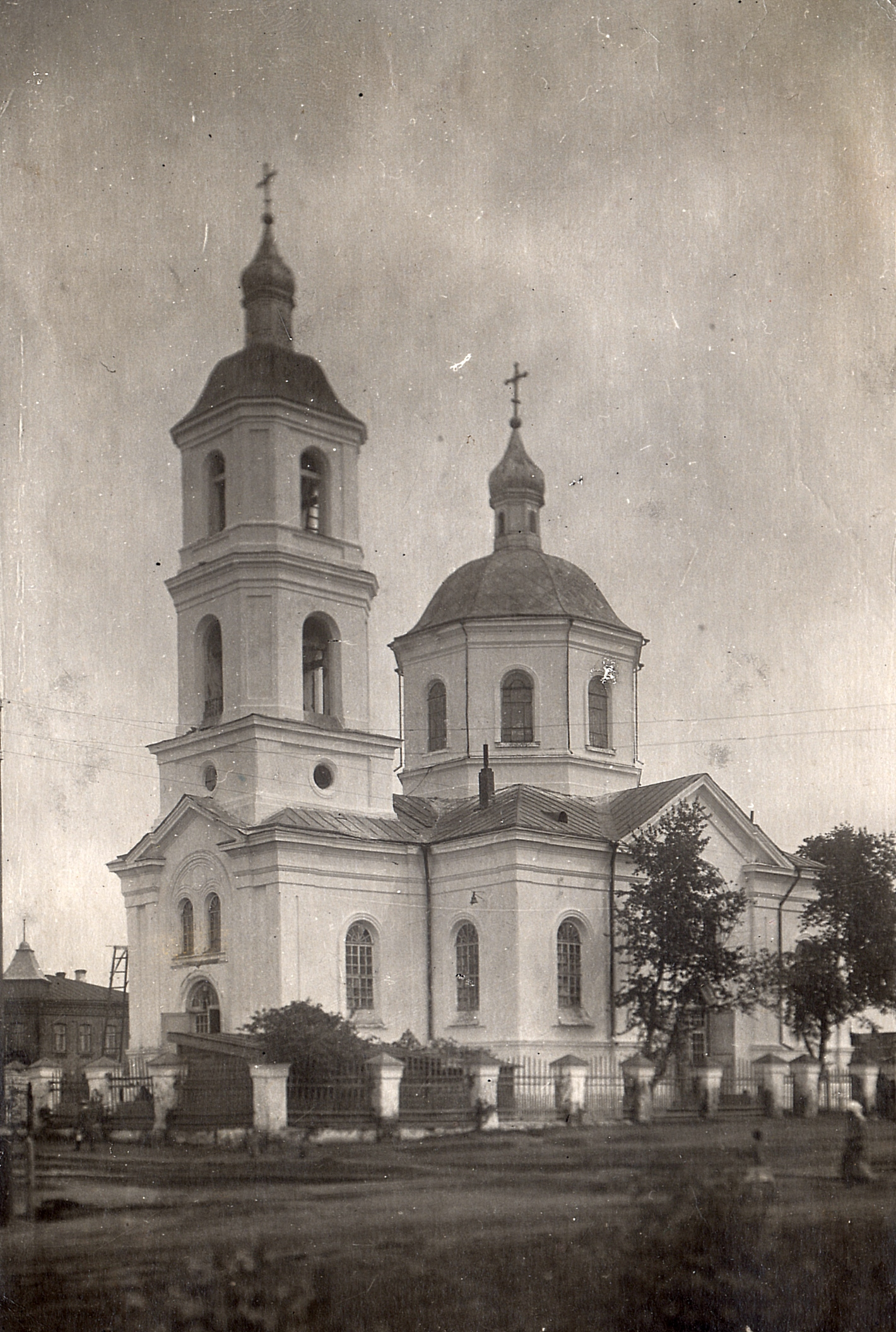 Крестовоздвиженский храм.jpg