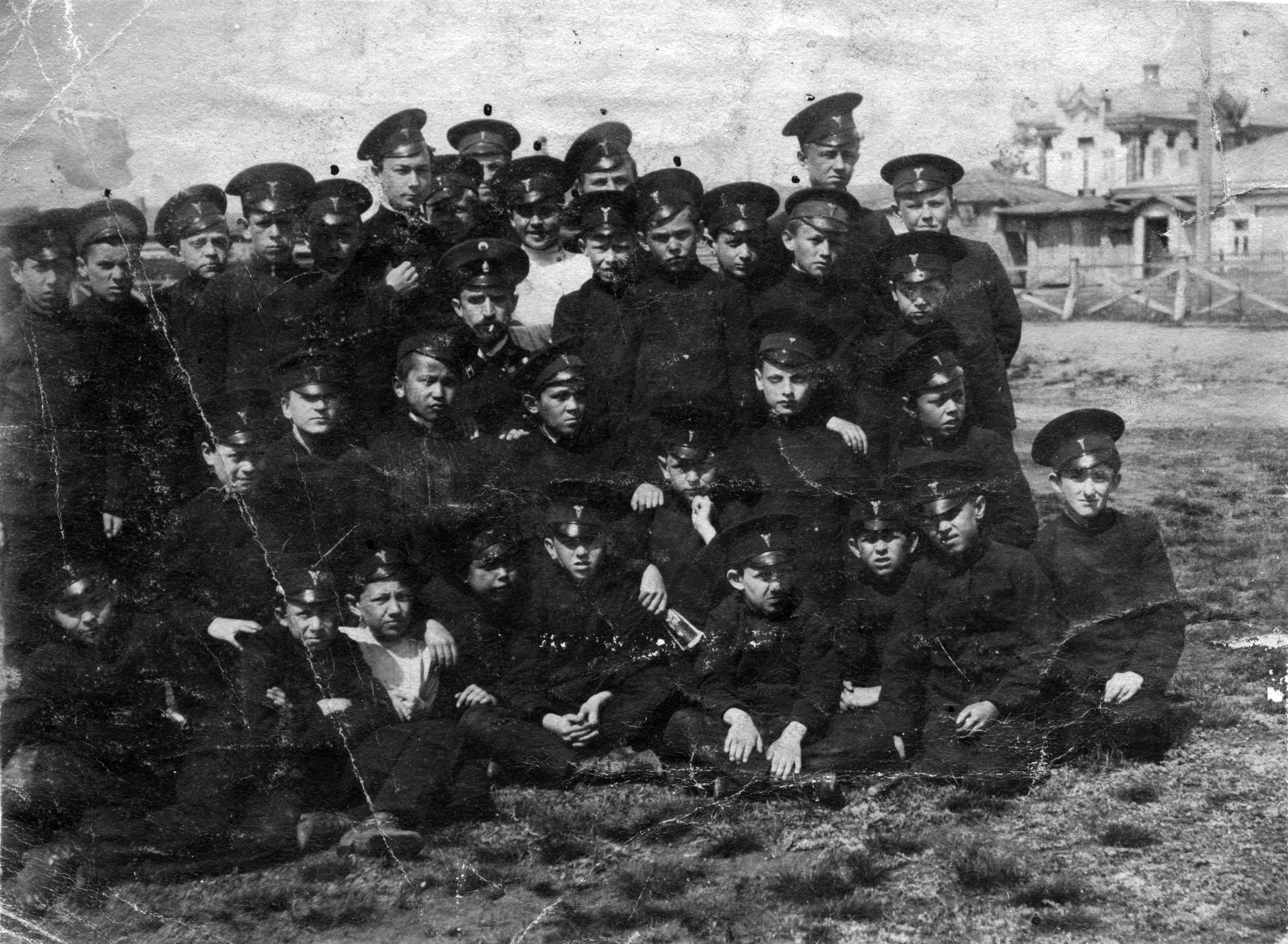 Учащиеся Омского коммерческого училища. 1914.jpg