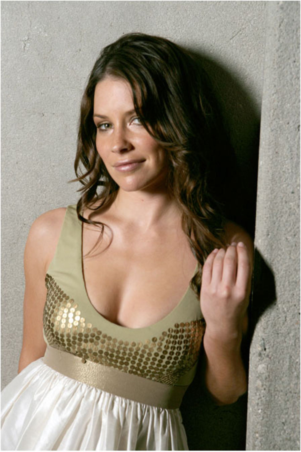 evangeline-lilly-flare-magazine-shoot-03.jpg