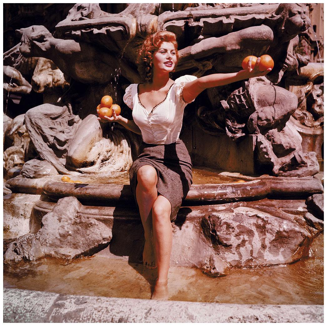 sophia-loren-rome-1955-photo-ormond-gigli-from-girls-in-the-windows.jpg