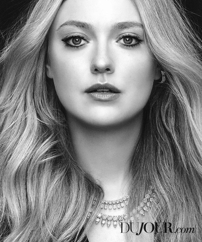Dakota-Fanning-DuJour-Magazine-June-201800004.jpg