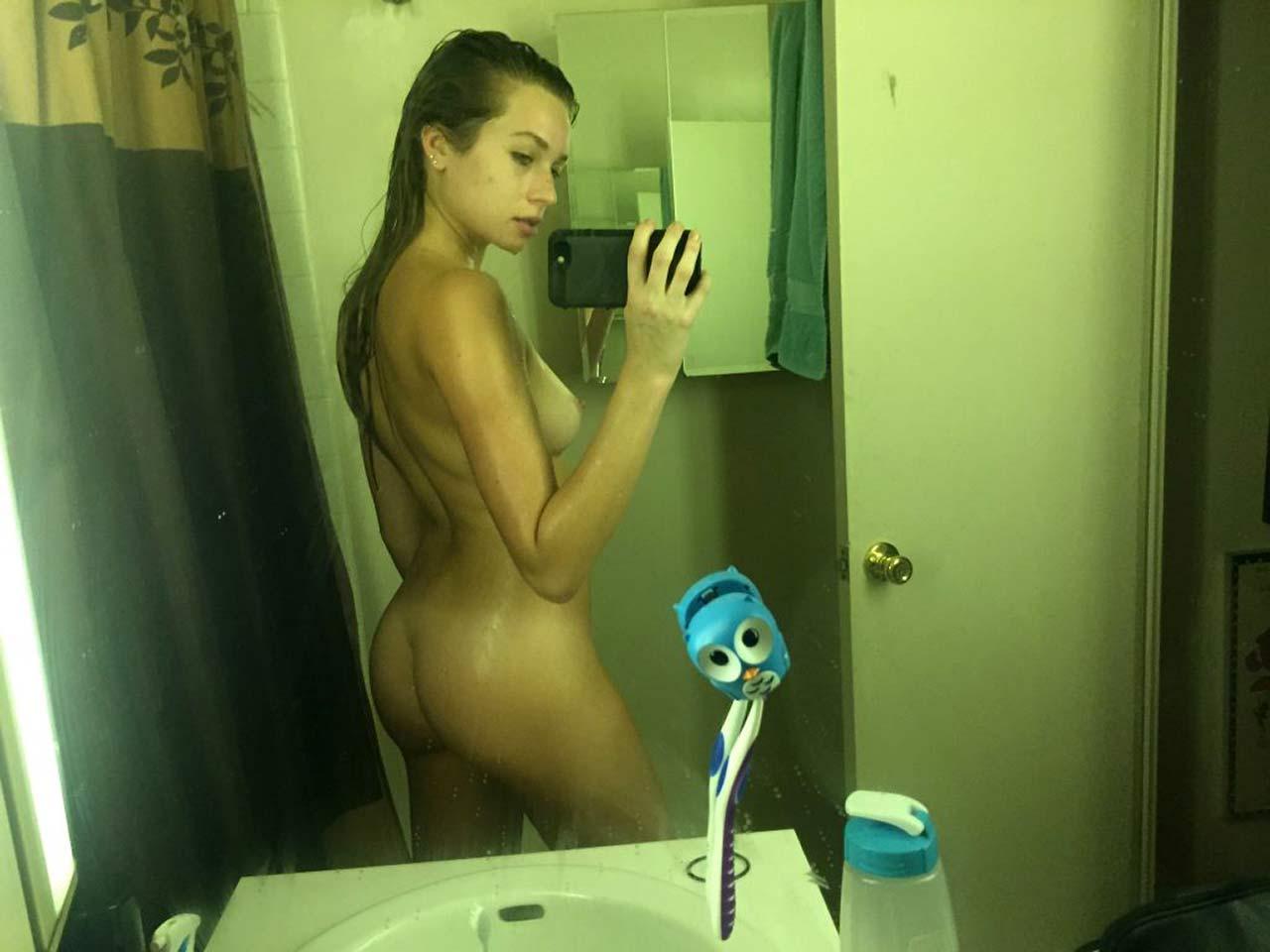 10-Ashlen-Alexandra-Nude-Leaked.jpg