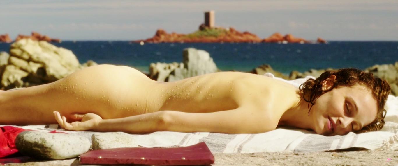 Голая На Пляже Натали Портман