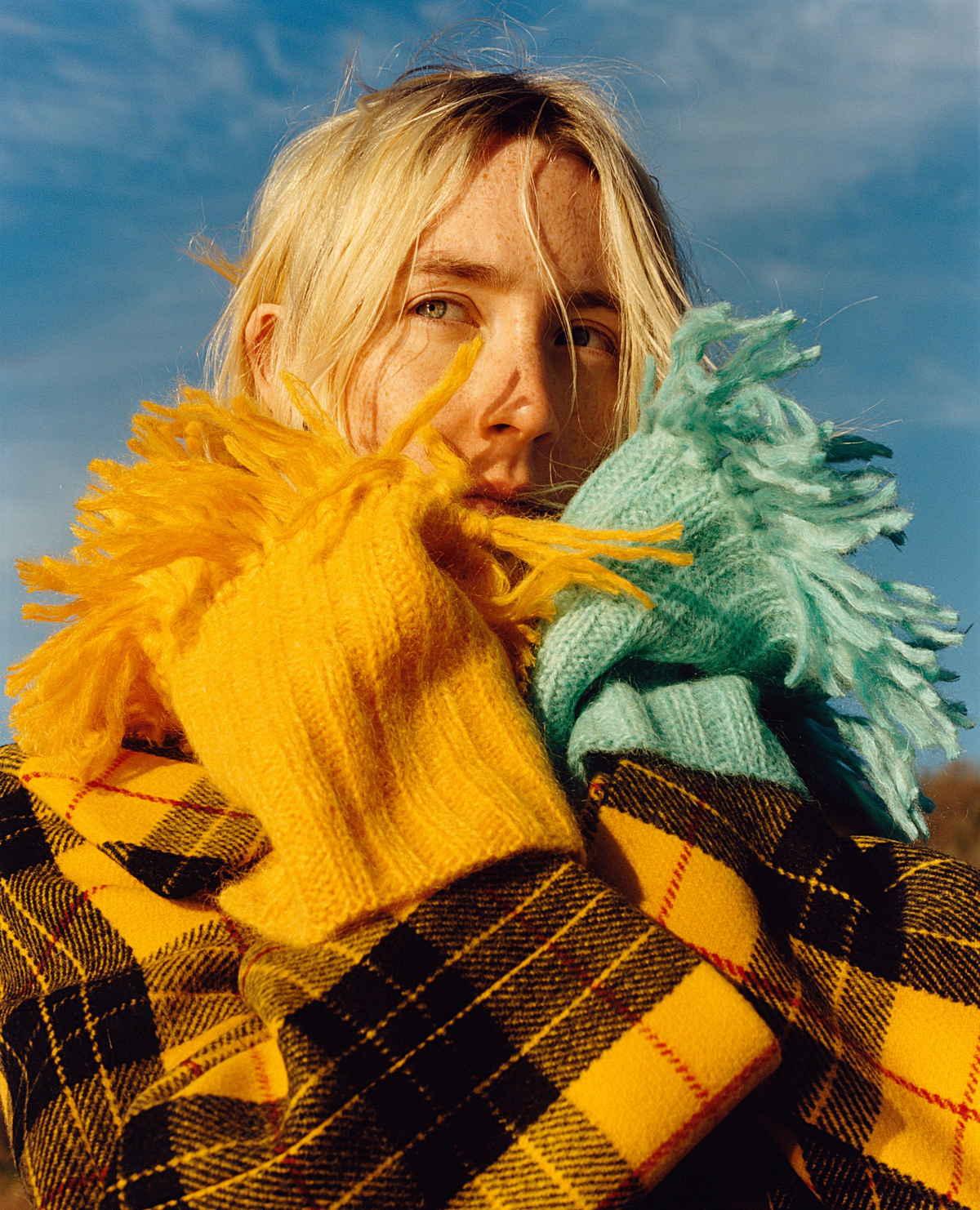 Saoirse-Ronan-US-Vogue-August-201800007.jpg