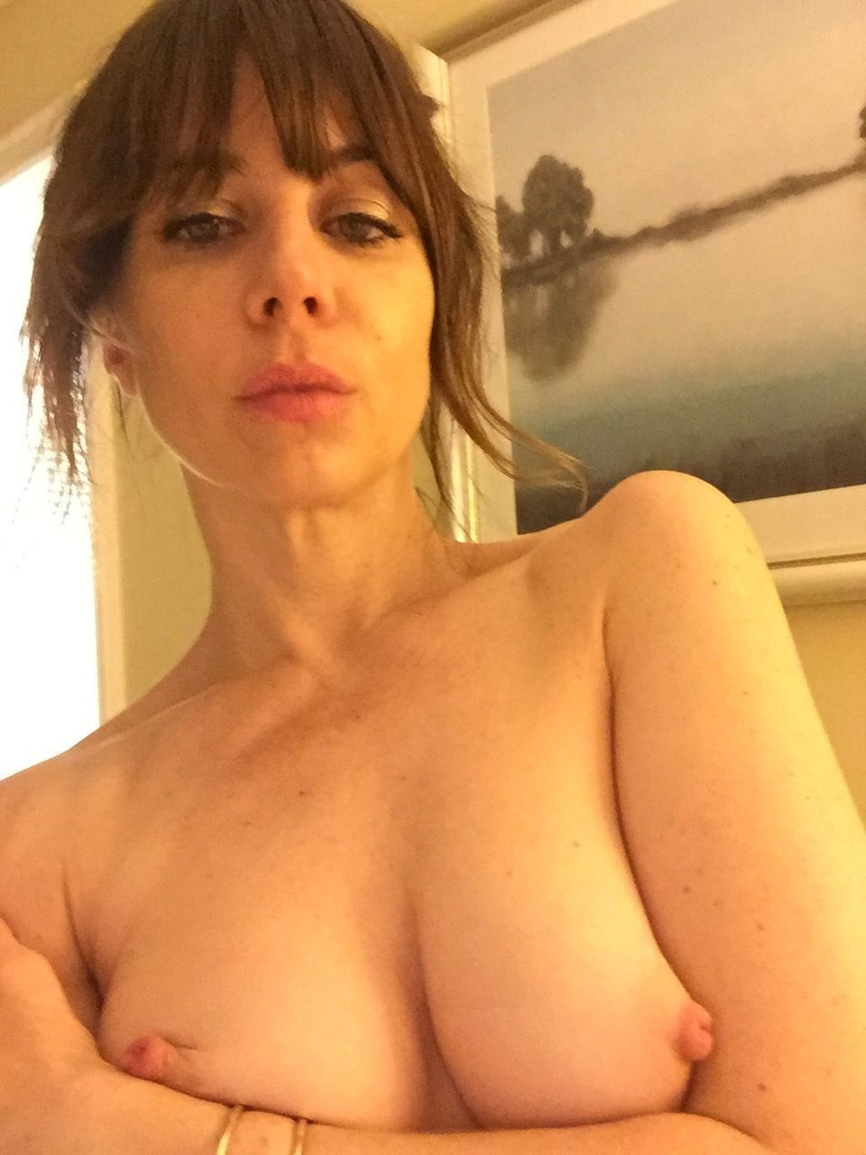 Natasha-Leggero-Nude-TheFappening-6.jpg