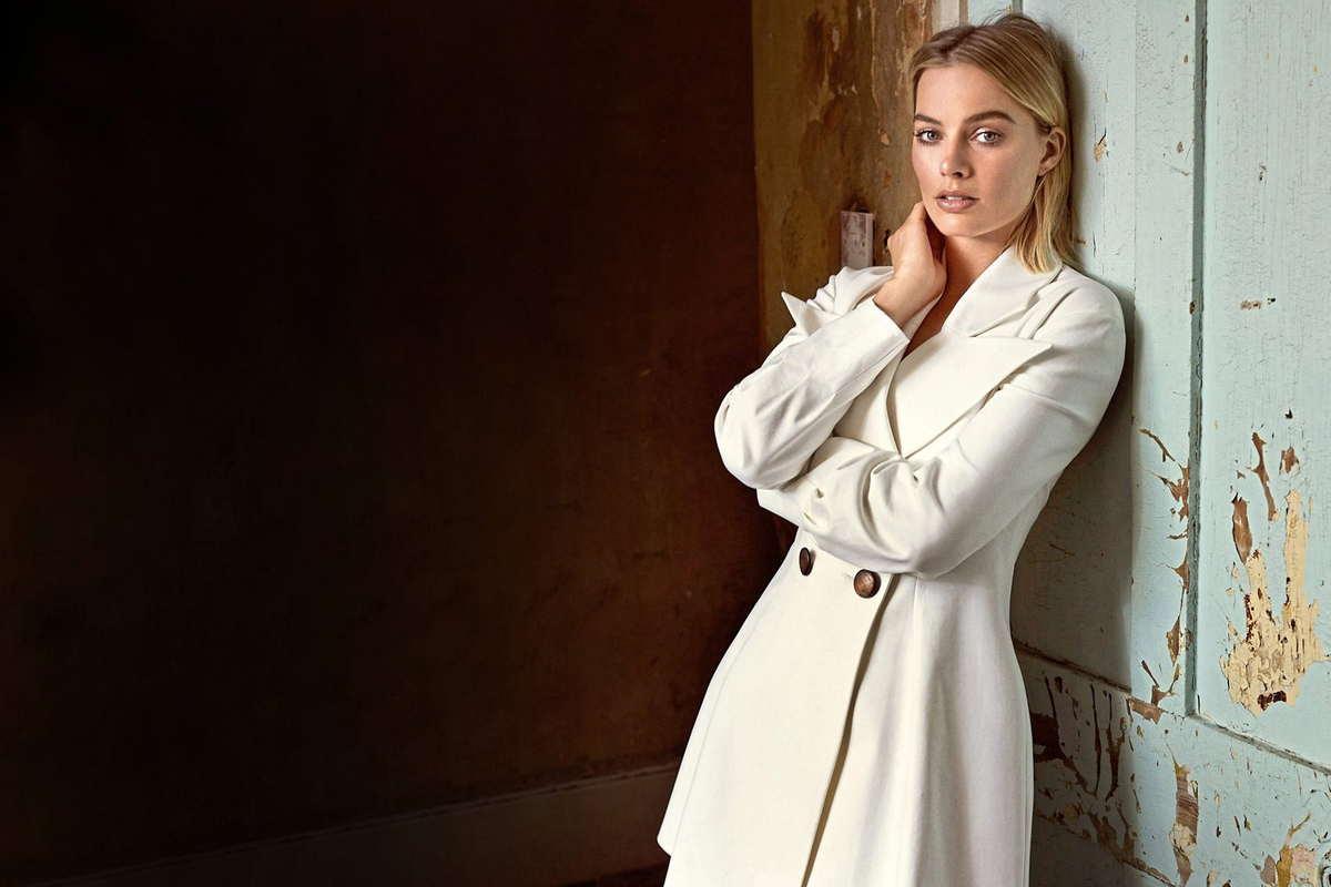 Margot-Robbie-Ellen-von-Unwerth-Photoshoot-for-Evening-Standard-201800001.jpg