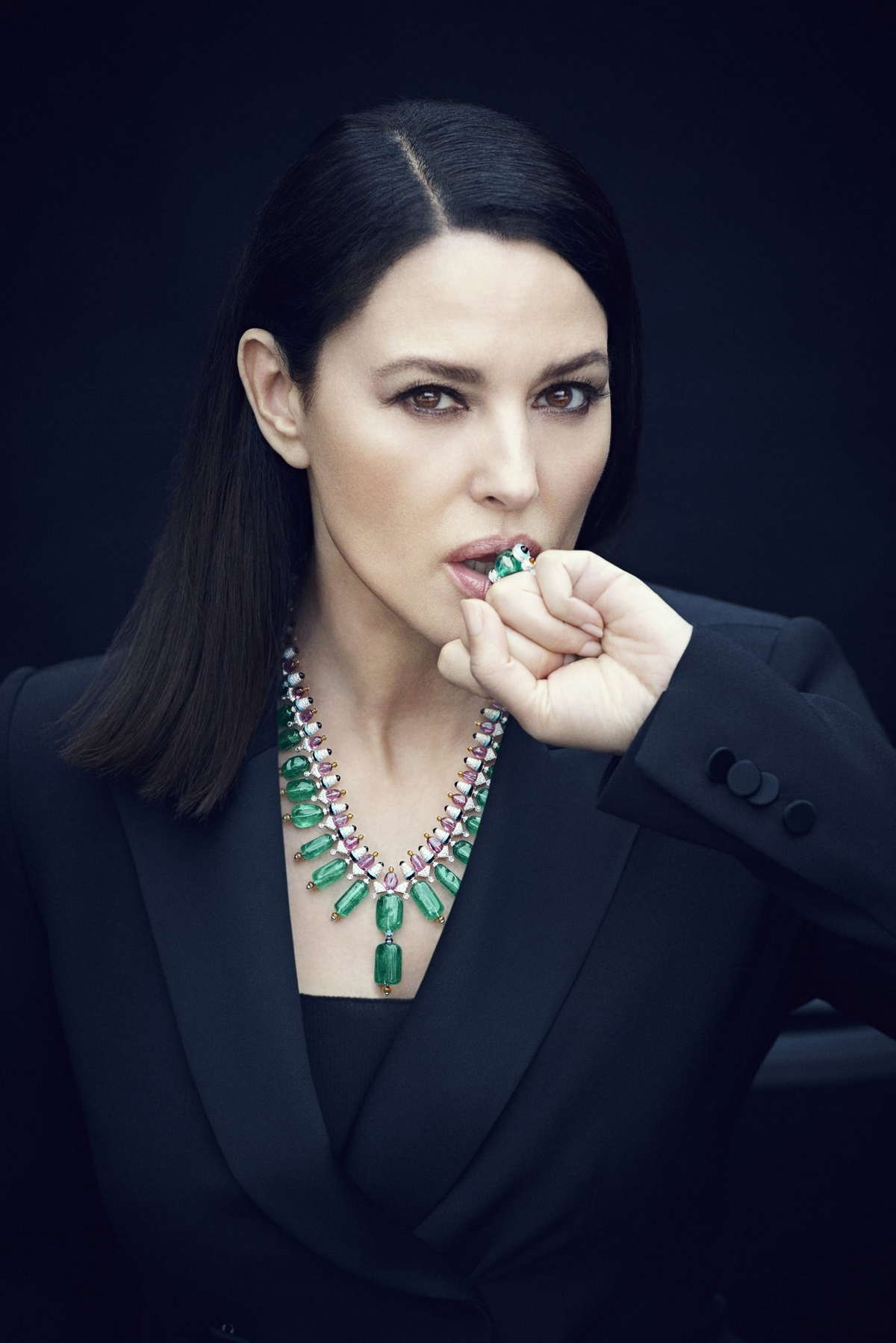 Monica-Bellucci-LOfficiel-Brasil-August-201800006.jpg