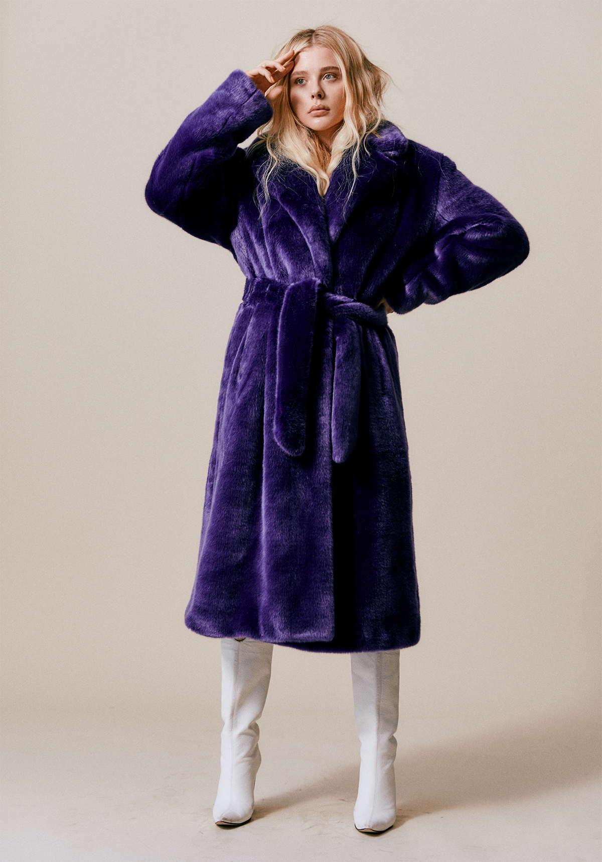 Chloë-Grace-Moretz-Photographed-by-Harper-Smith-for-Who-Wat-Wear-201800005.jpg