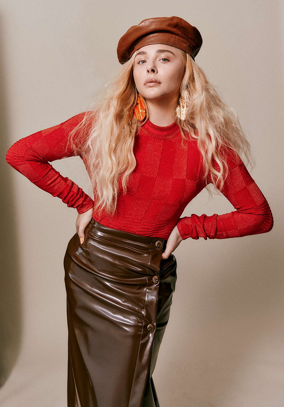 Chloë-Grace-Moretz-Photographed-by-Harper-Smith-for-Who-Wat-Wear-201800008.jpg