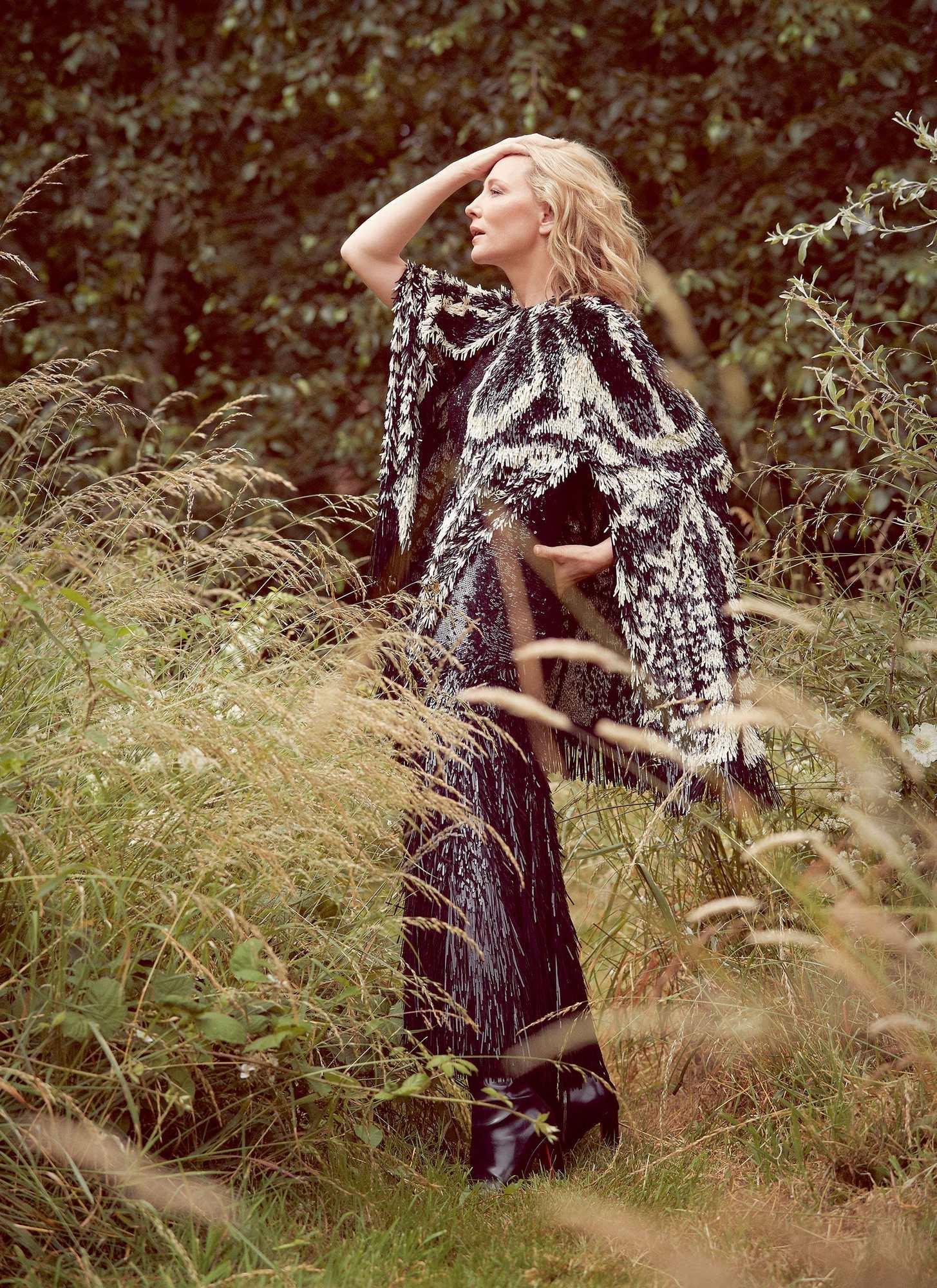 Cate-Blanchett-UK-Harper's-Bazaar-October-201871e1de959145784.jpg