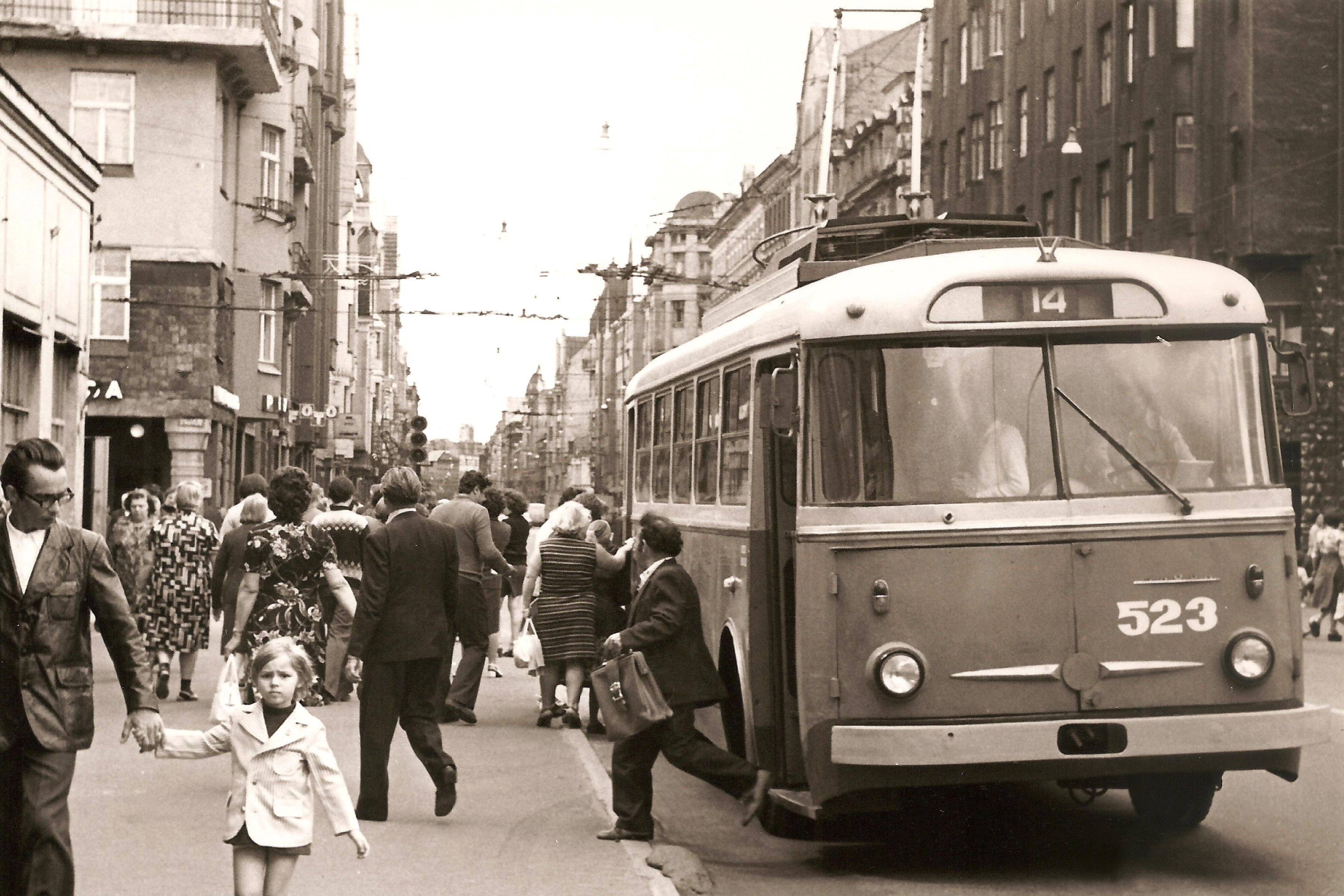 Рига. Троллейбус №523.jpg
