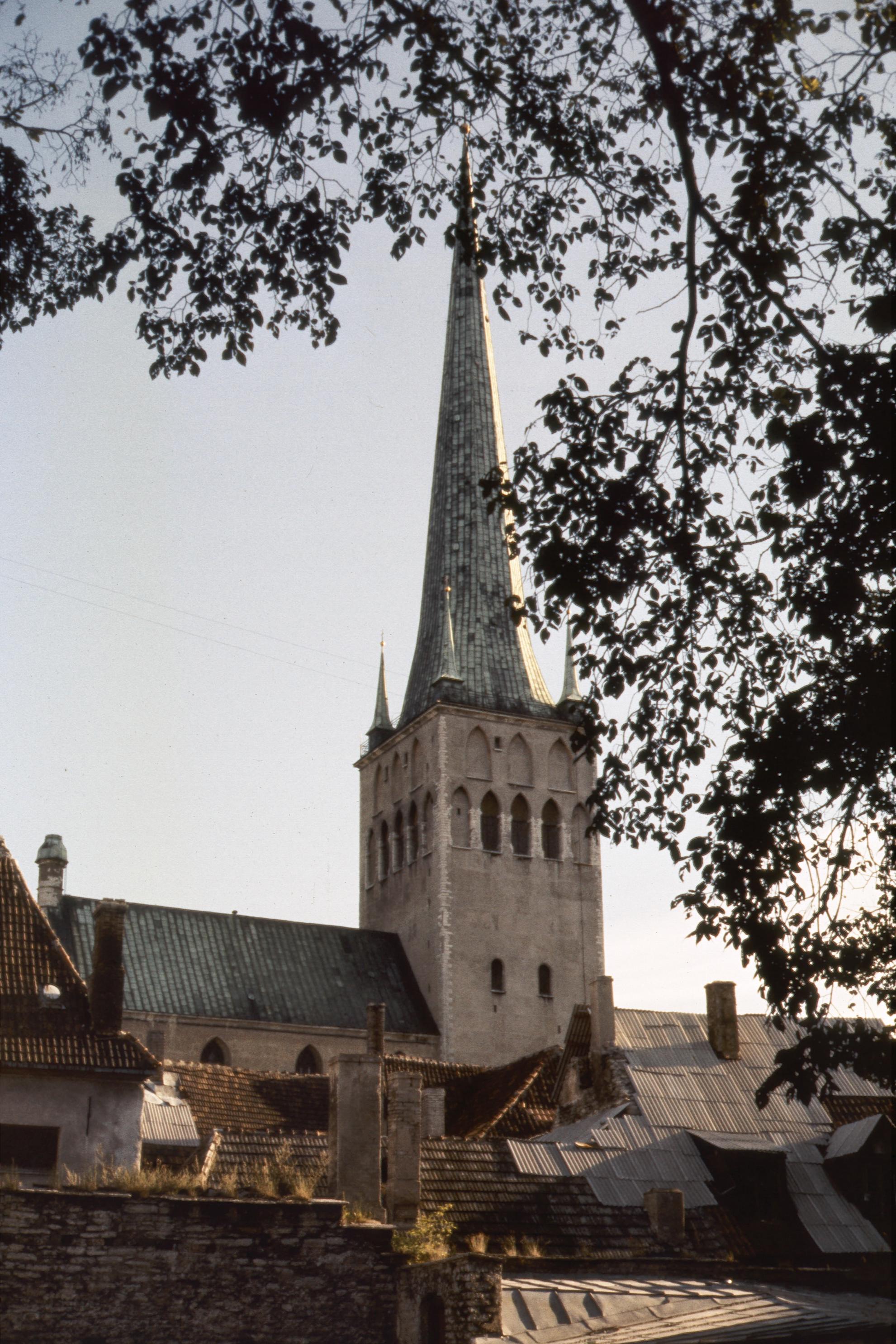 Таллин. Церковь Св. Олафа.jpg