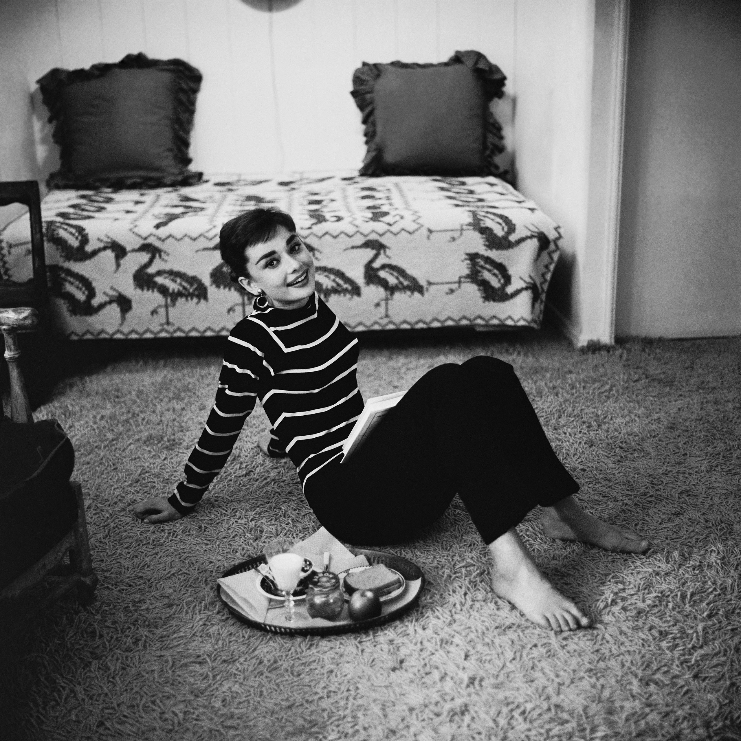 audrey-hepburn-eating-breakfast-before-going-to-the-paramount-studio-where-she-is-filming-22sabrina22-photo-by-mark-shaw-december-1953.jpg
