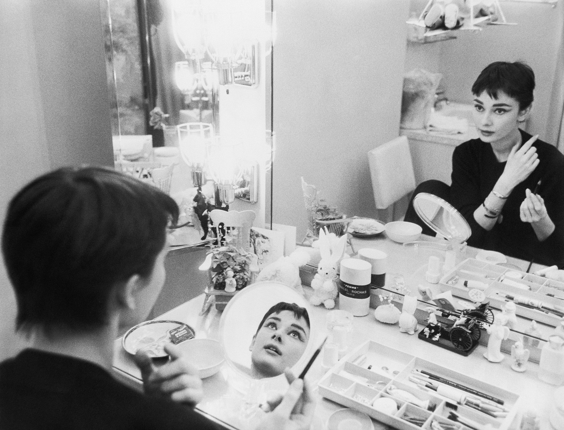 audrey-hepburn-is-her-dressing-room-during-the-filming-of-22sabrina22-1954-c2a9-mark-shaw.jpg
