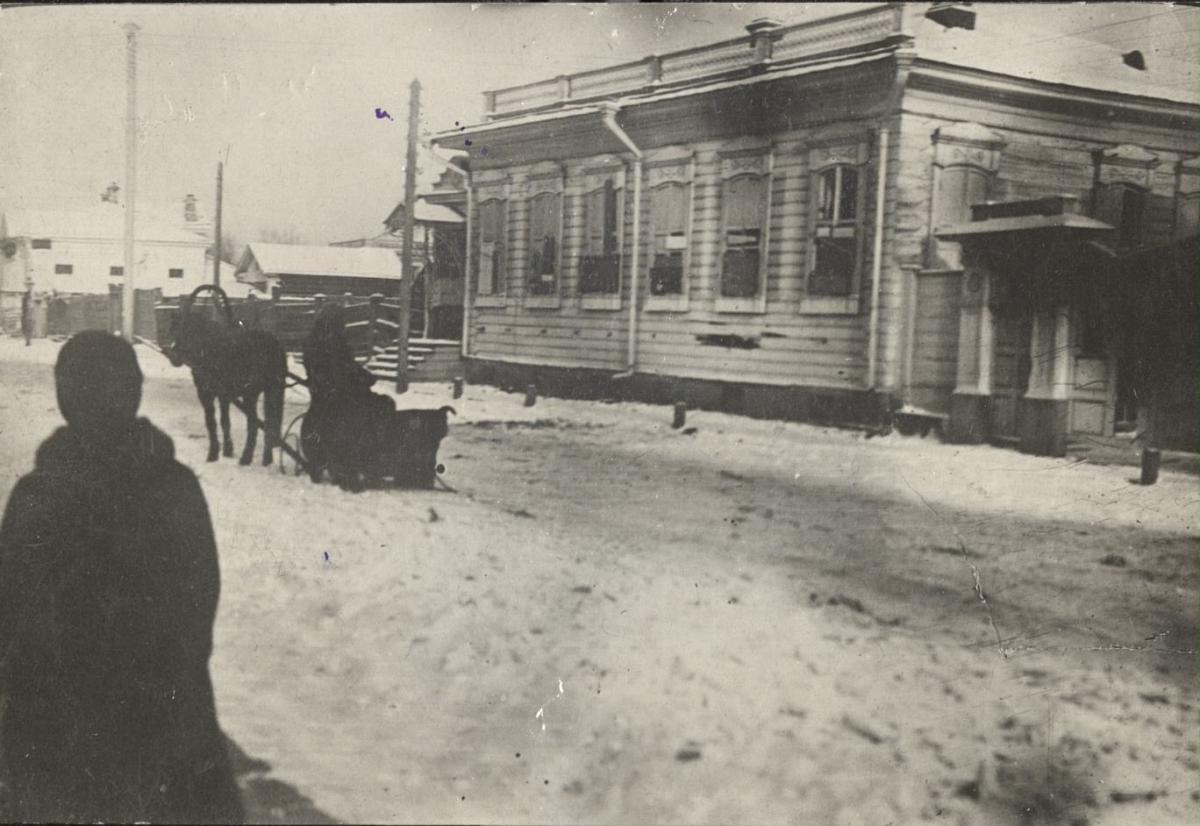 Квартира городского головы А.И. Макушина на Воскресенской горе, разгромленная черносотенцами 20.Х.1905.jpg