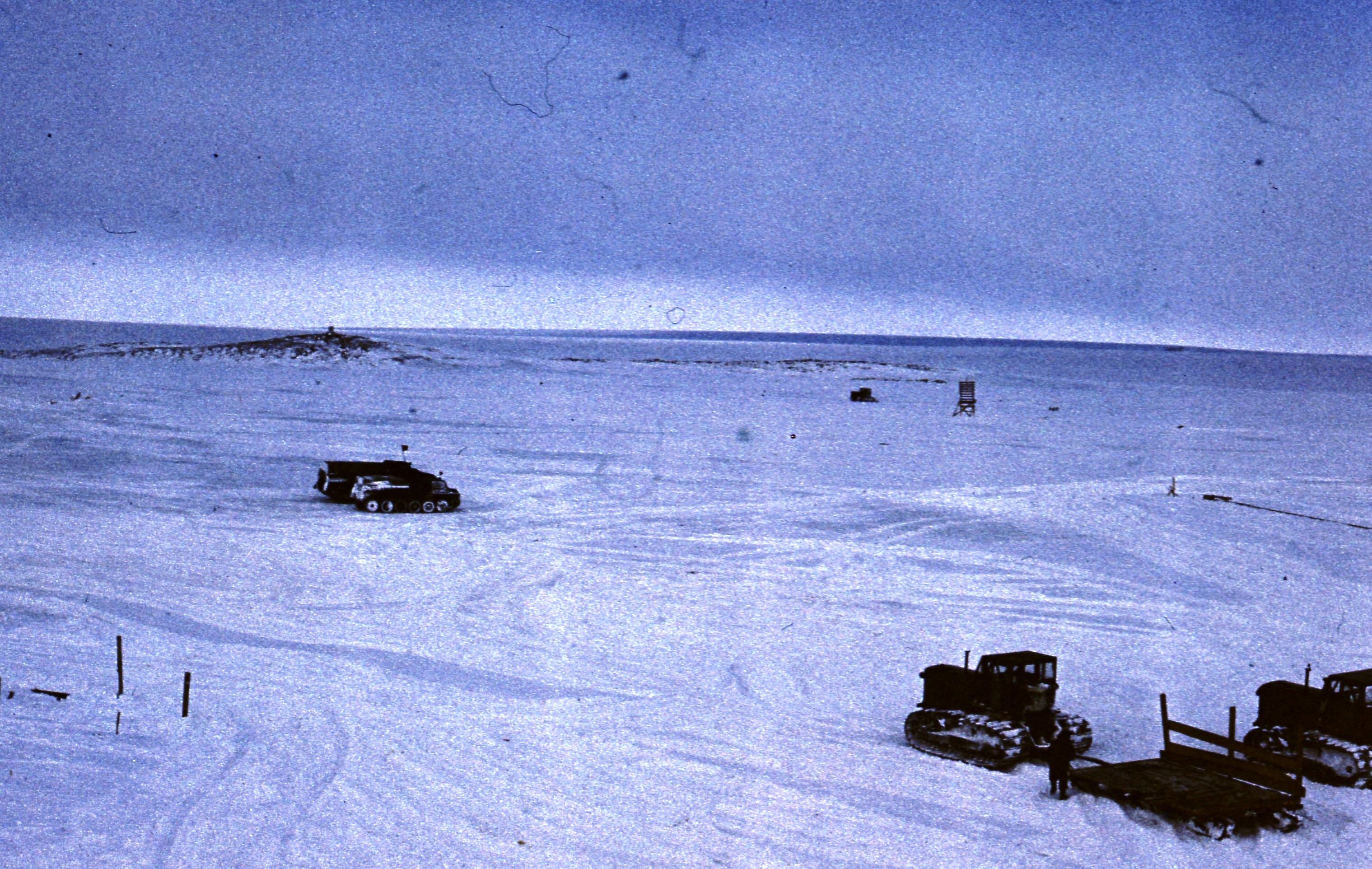 829619 Антарктическая станция _Молодёжная_.jpg