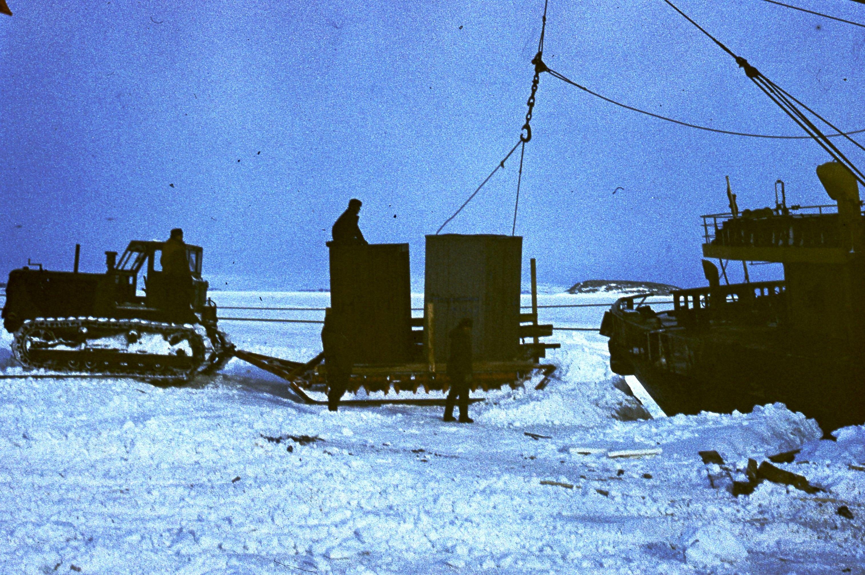 829620 Антарктическая станция _Молодёжная_.jpg