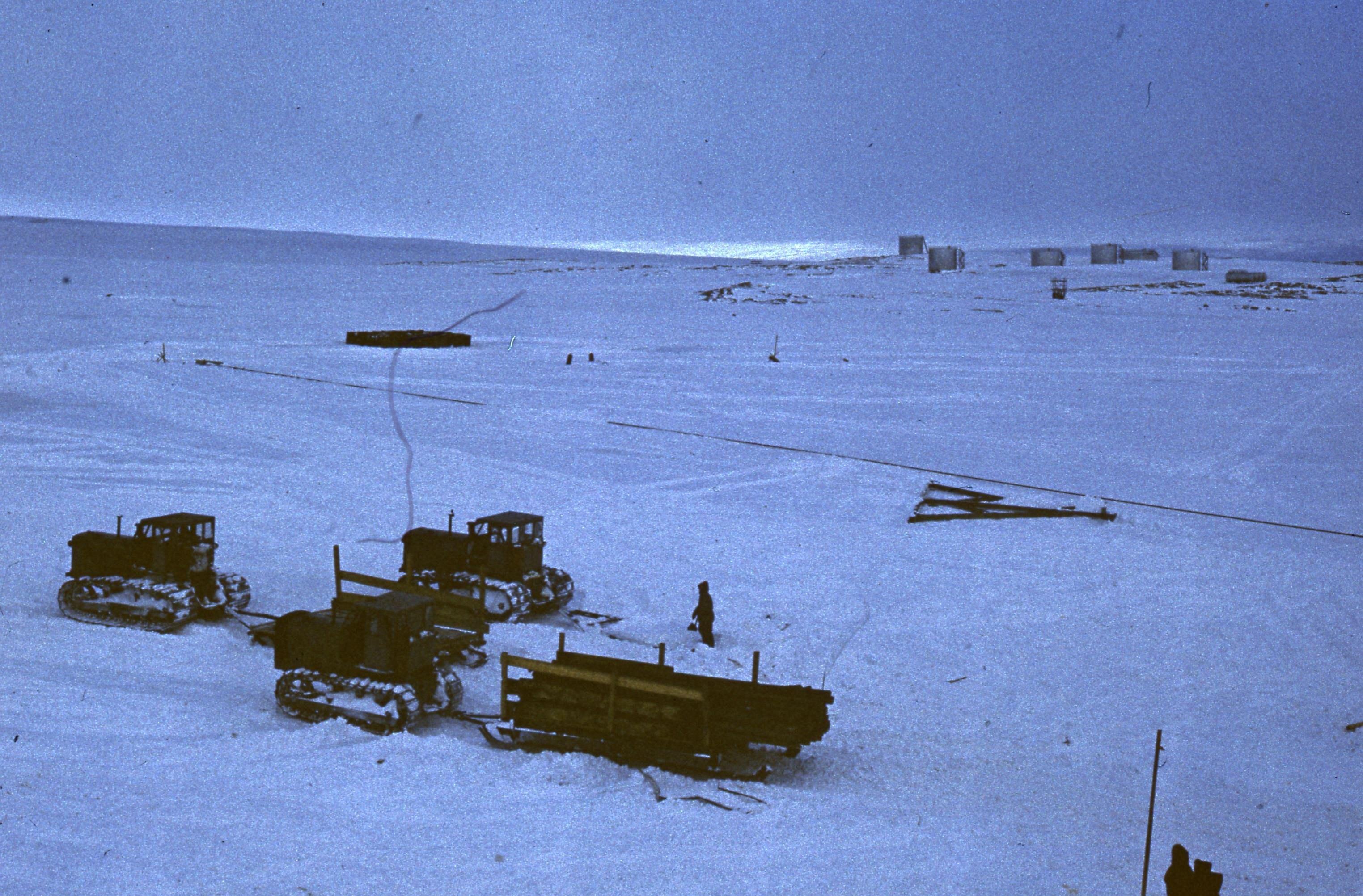829621 Антарктическая станция _Молодёжная_.jpg
