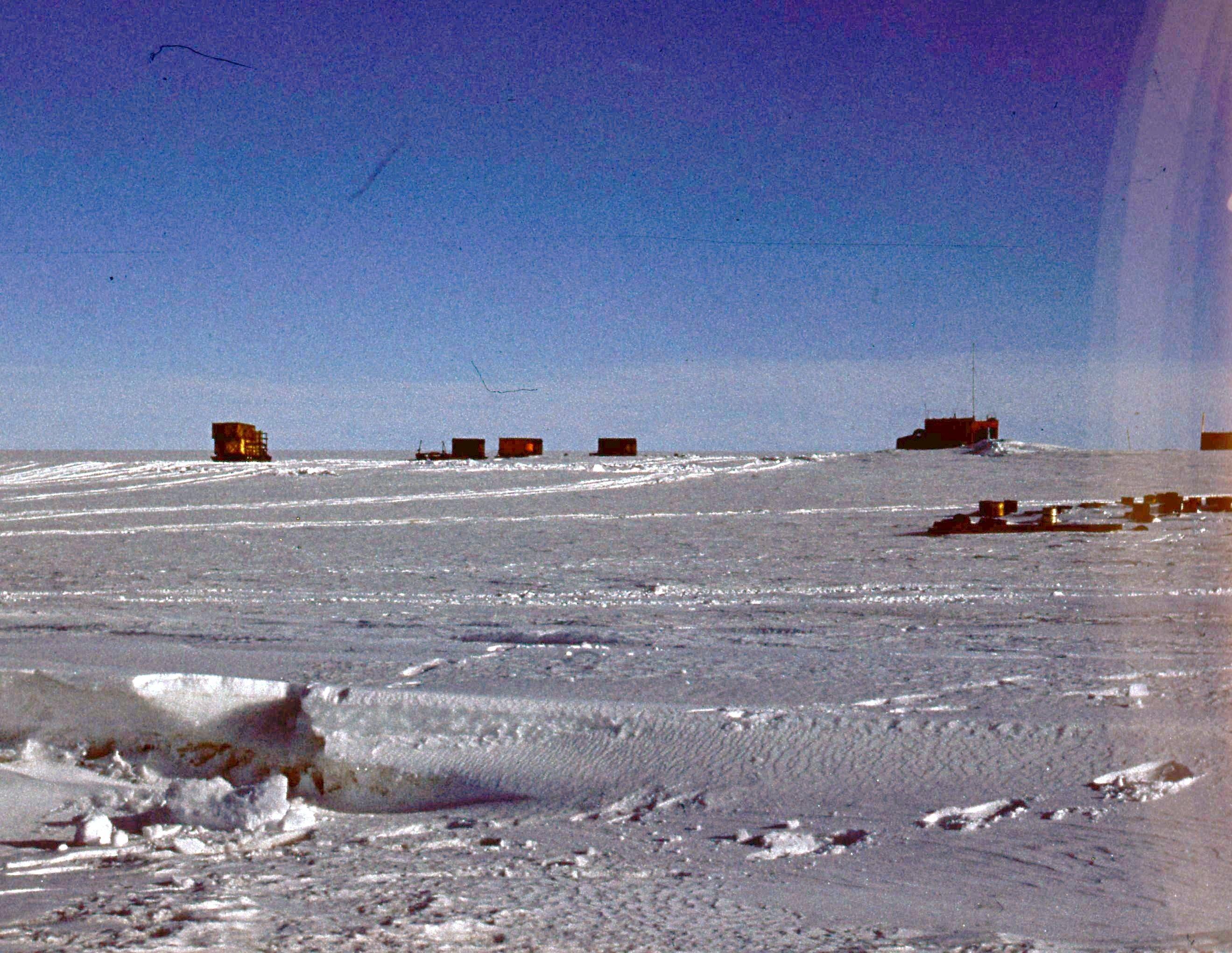 829754 Антарктическая станция _Молодёжная_.jpg