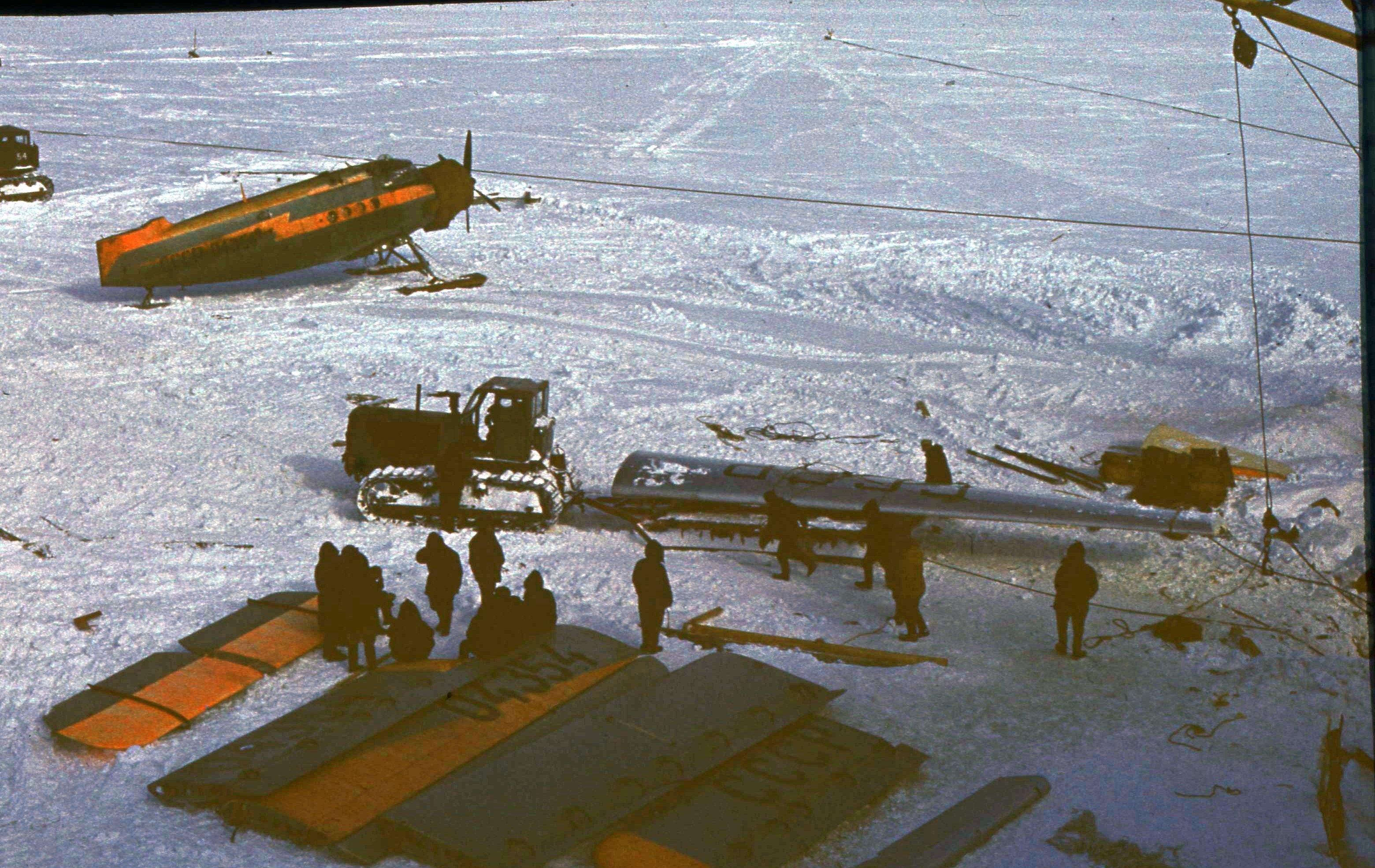 829759 Антарктическая станция _Молодёжная_.jpg