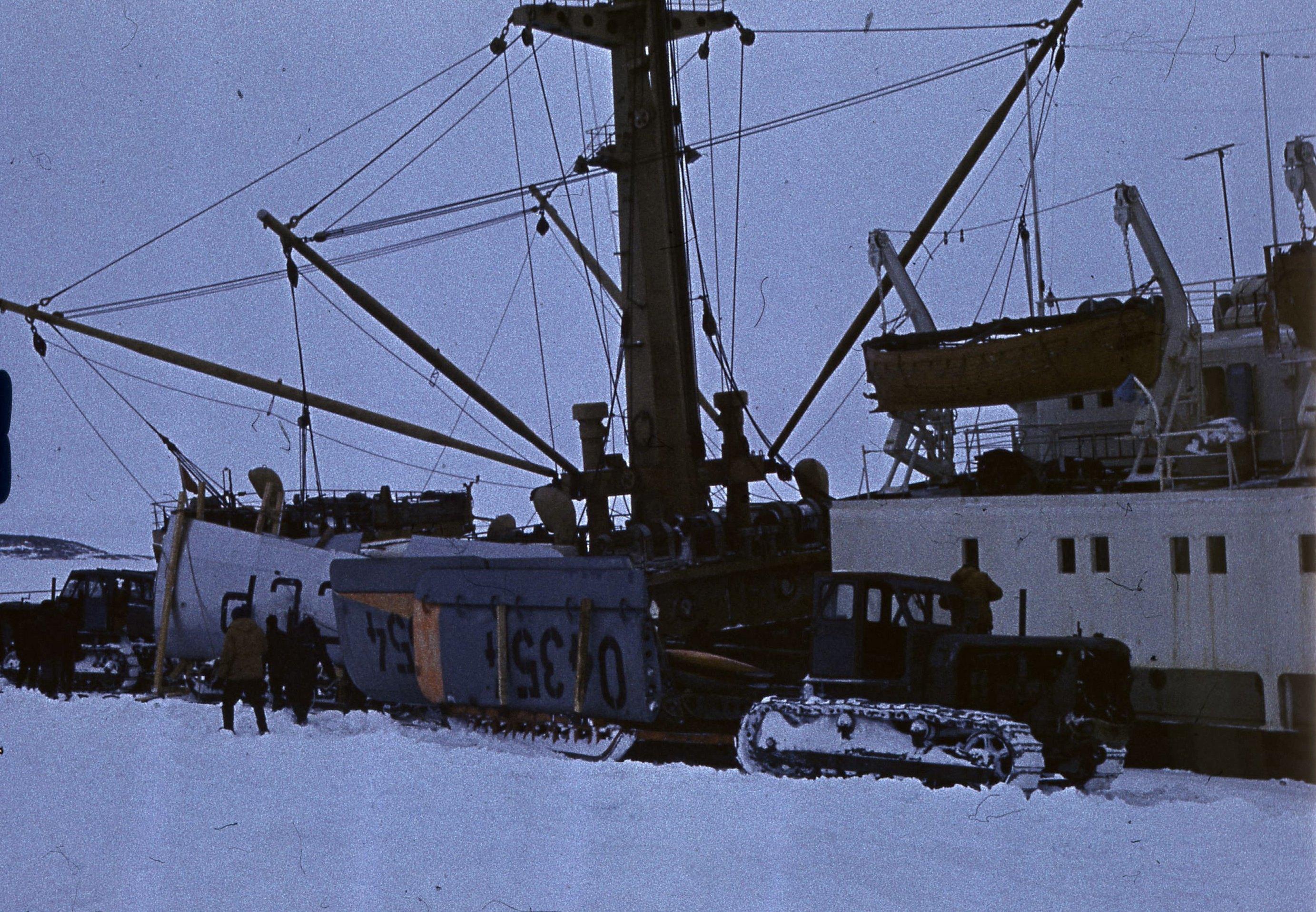 829765 Антарктическая станция _Молодёжная_.jpg