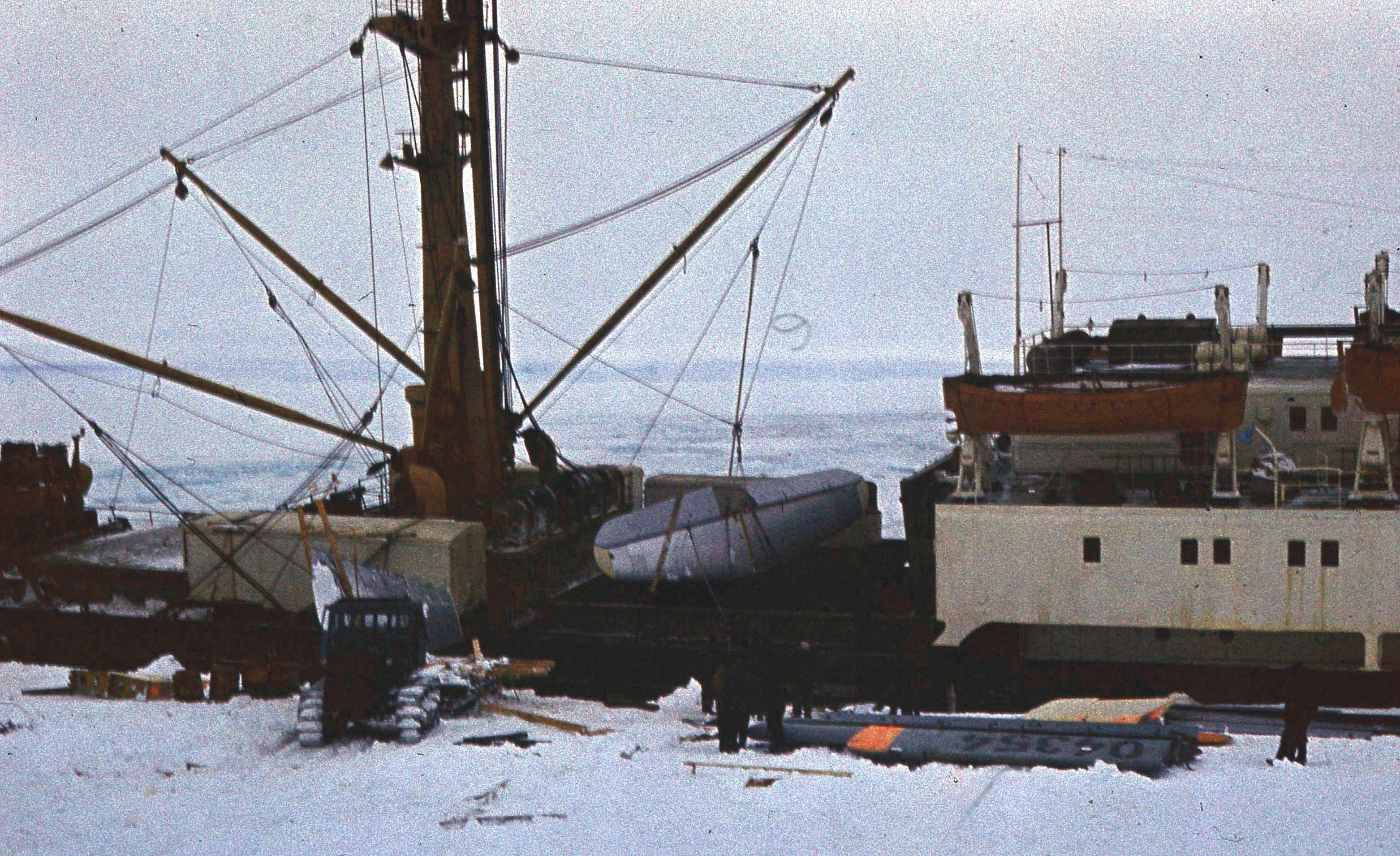 829771 Антарктическая станция _Молодёжная_.jpg