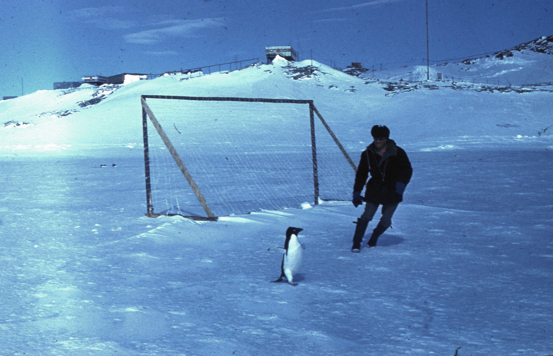 830101 Антарктическая станция _Молодёжная_.jpg