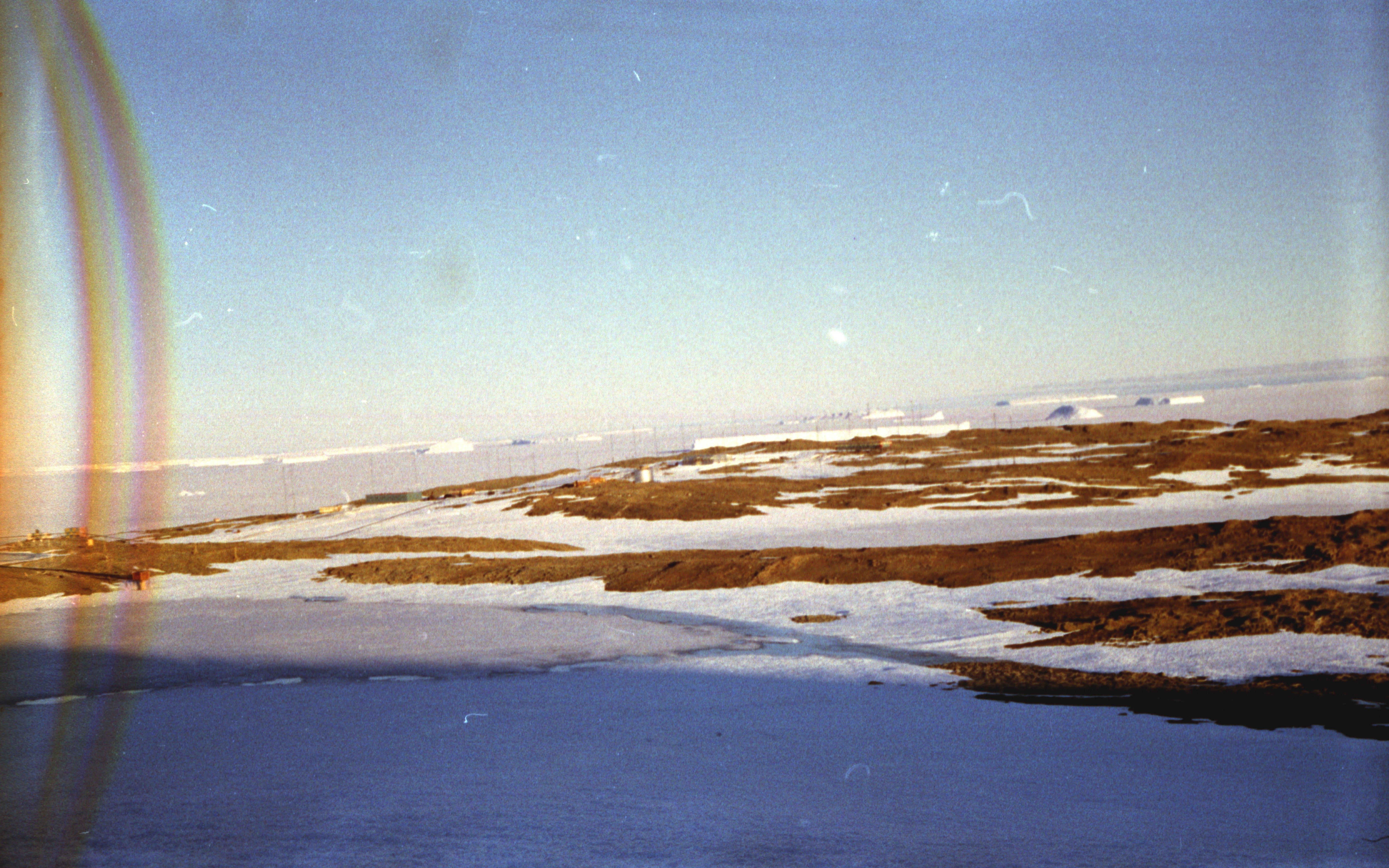 830128 Антарктическая станция _Молодёжная_.jpg