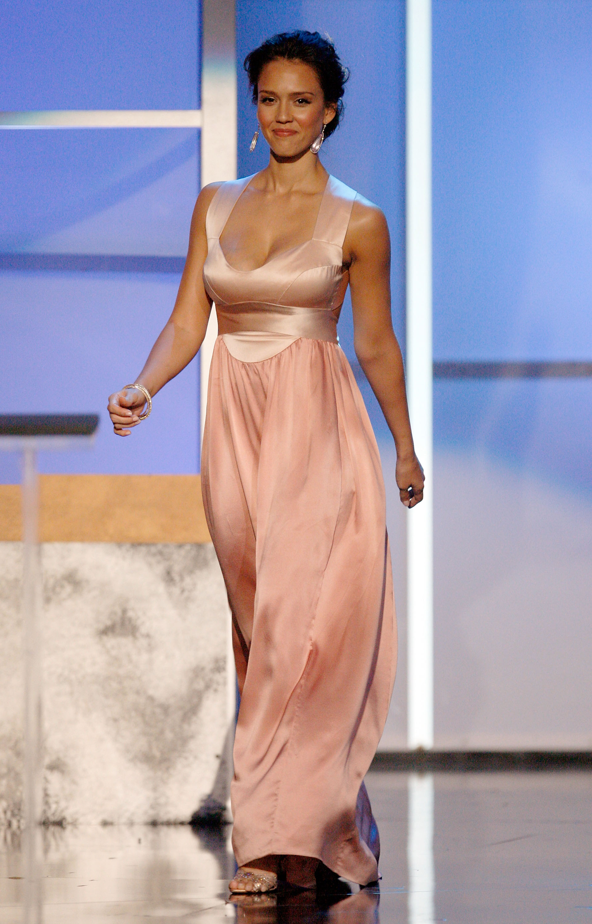 58627243_jessica_alba_2008_alma_awards_on_august_17_2008_3.jpg