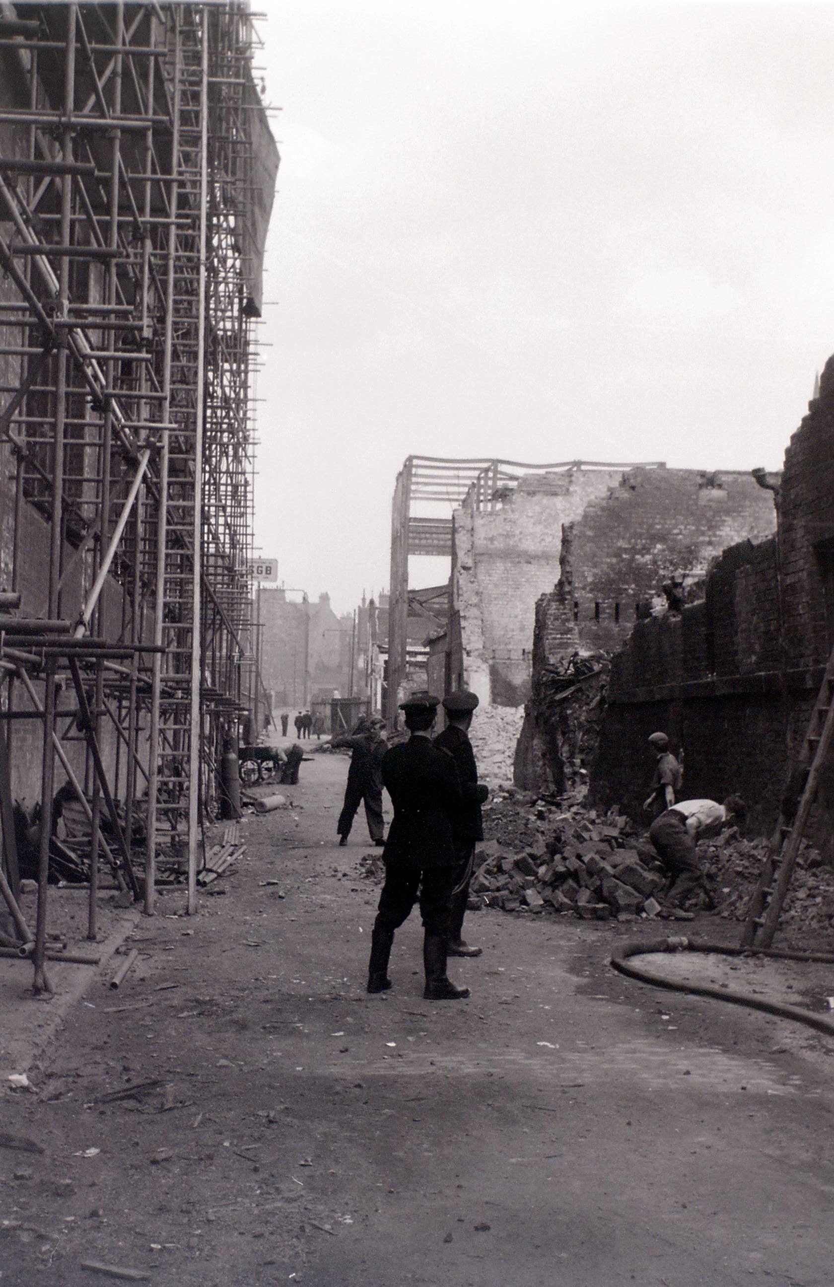 Глазго, 19 апреля 1960. После пожара5.jpg