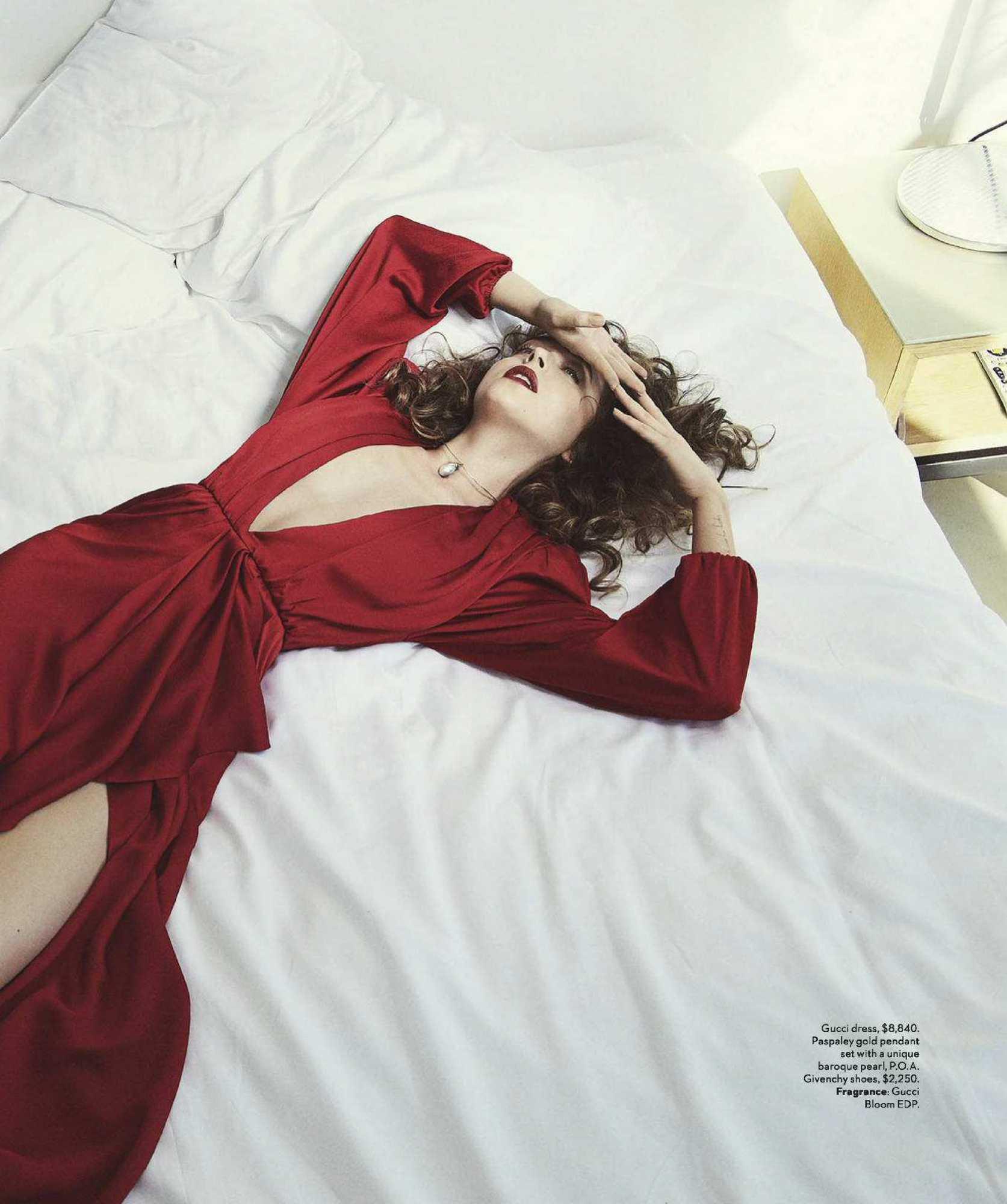 Dakota-Johnson-Emma-Summerton-Photoshoot-for-Vogue-Australia-October-2018ce555b982742854.jpg