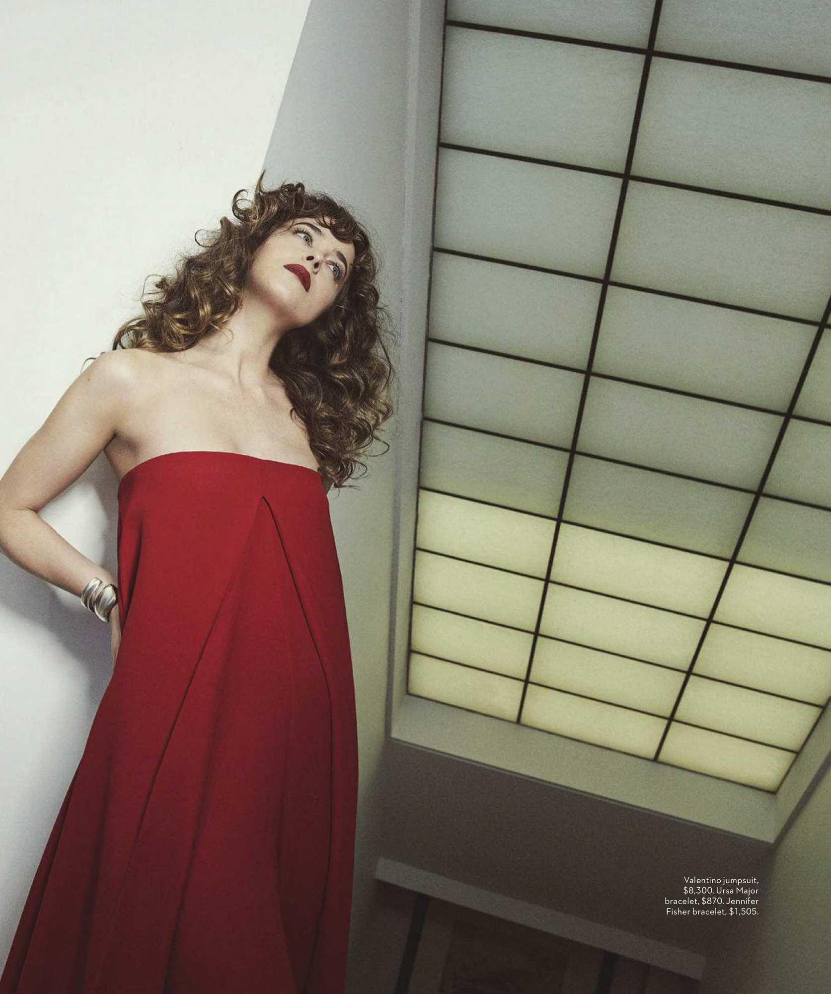 Dakota-Johnson-Emma-Summerton-Photoshoot-for-Vogue-Australia-October-2018e5b36e982742134.jpg