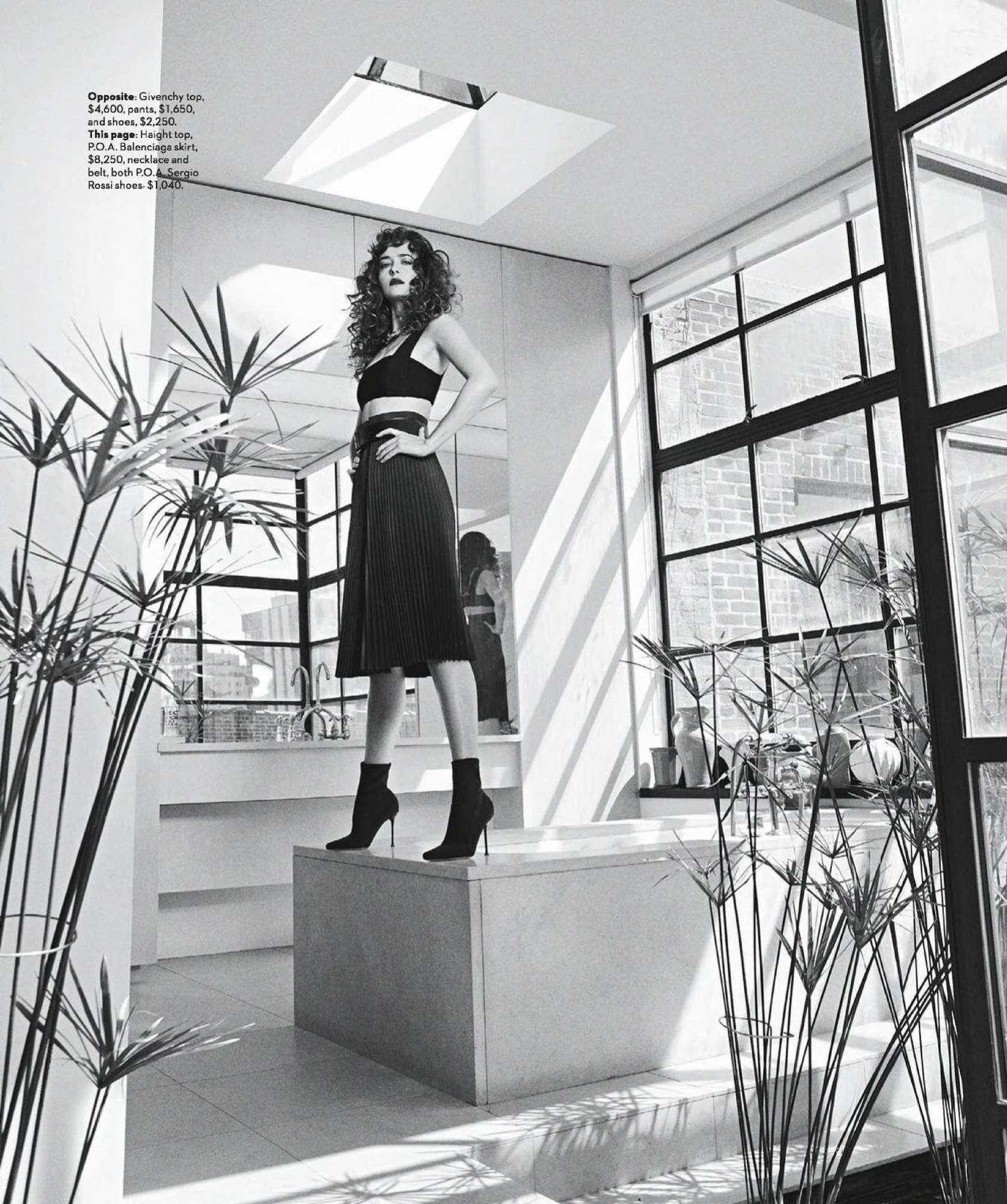Dakota-Johnson-Emma-Summerton-Photoshoot-for-Vogue-Australia-October-20182a86e1982742034.jpg