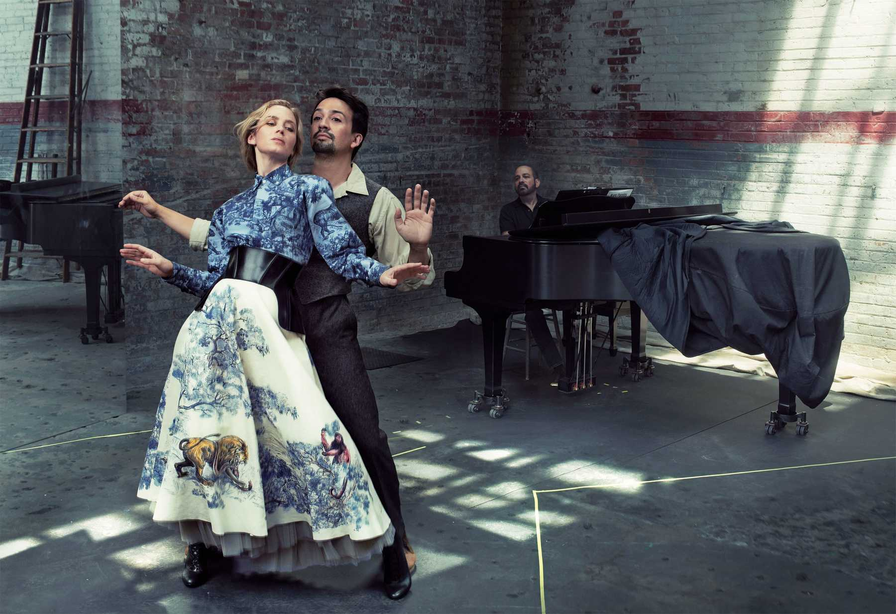 Emily-Blunt-Lin-Manuel-Miranda-photographed-by-Annie-Leibovitz-for-Vogue-December-201887851574_emily-03.jpg