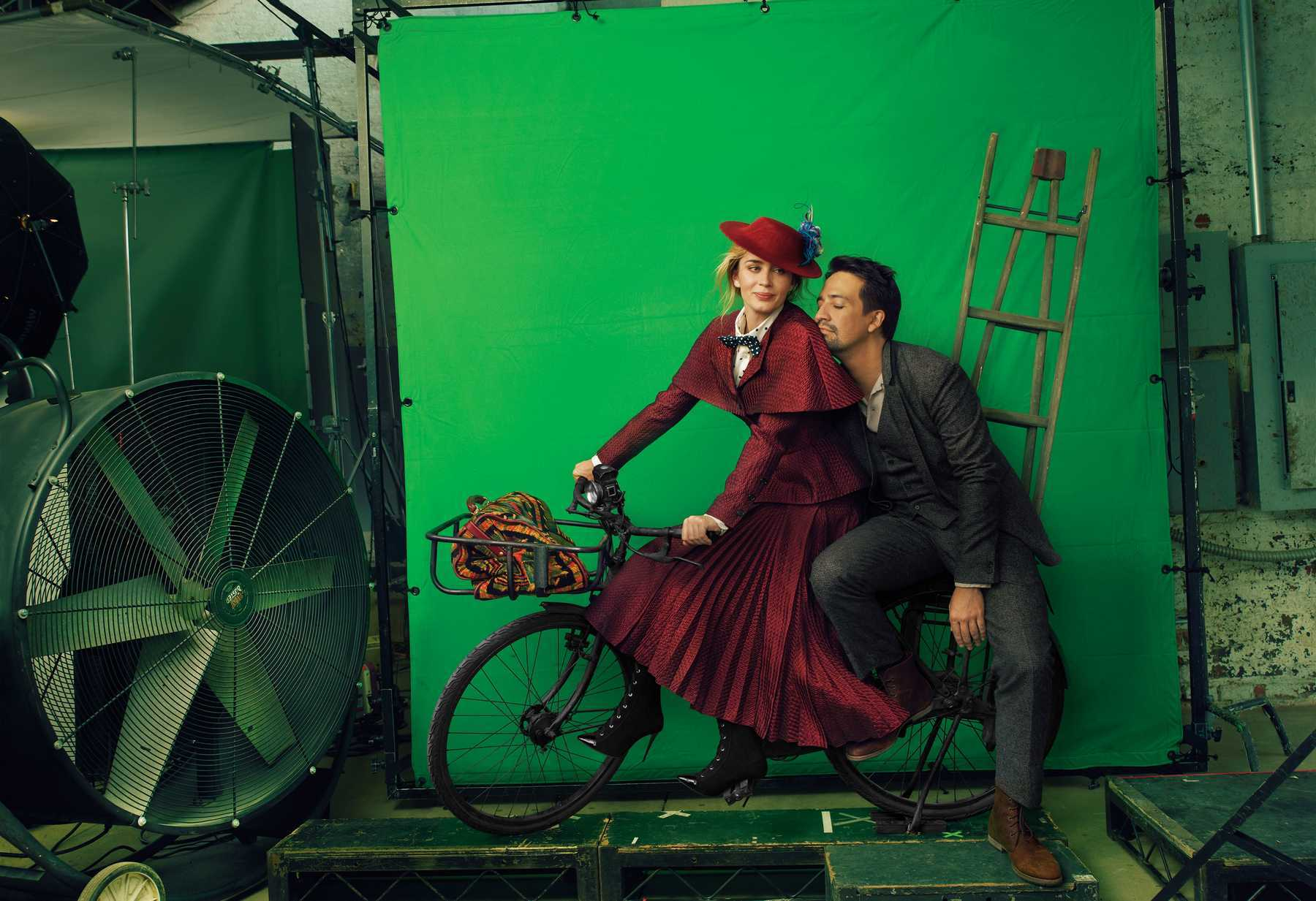 Emily-Blunt-Lin-Manuel-Miranda-photographed-by-Annie-Leibovitz-for-Vogue-December-201887851578_emily-06.jpg